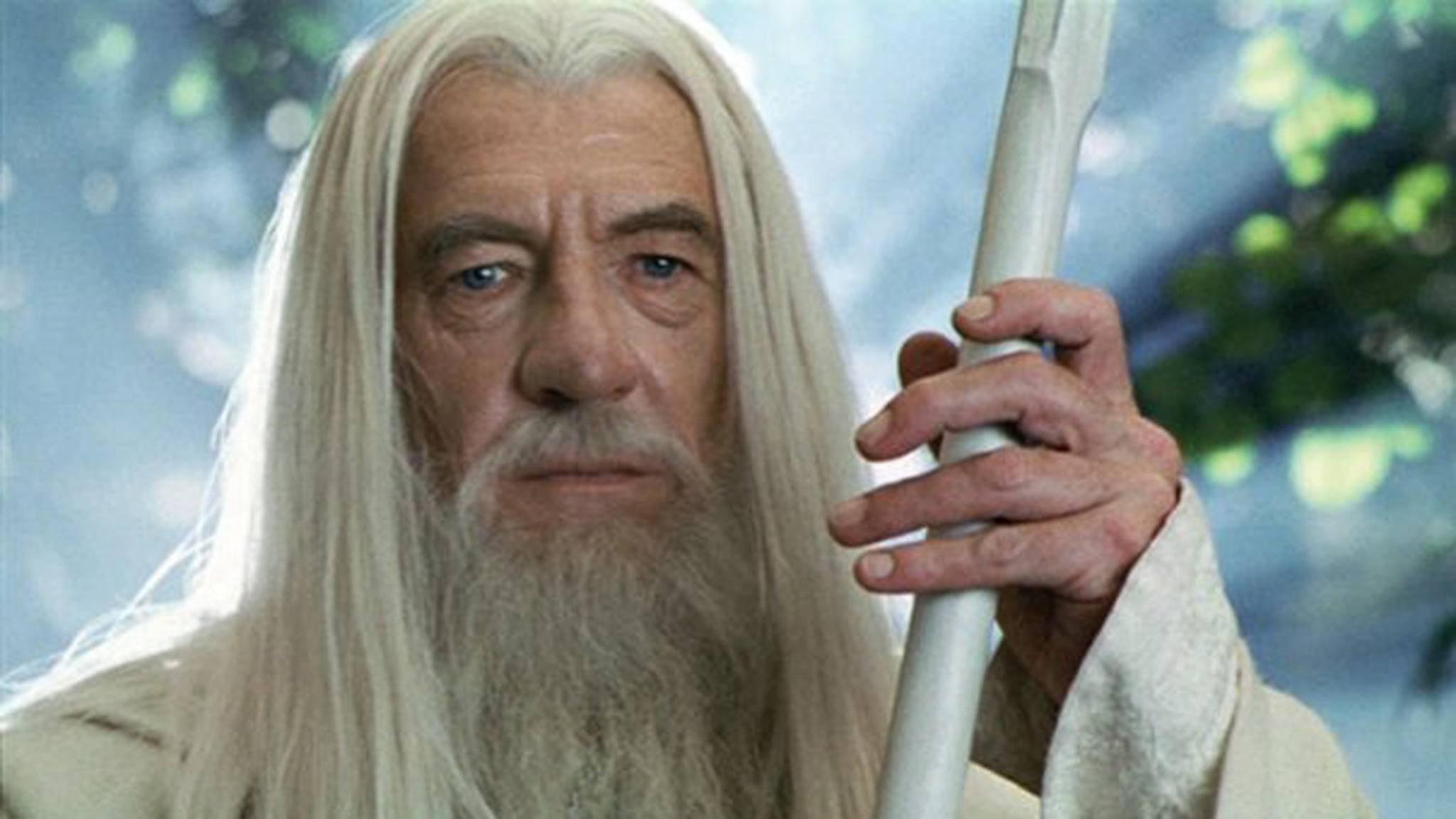"""Würde Amazon ihn in der """"Herr der Ringe""""-Serie besetzen wollen, würde Ian McKellen nicht lange zögern."""