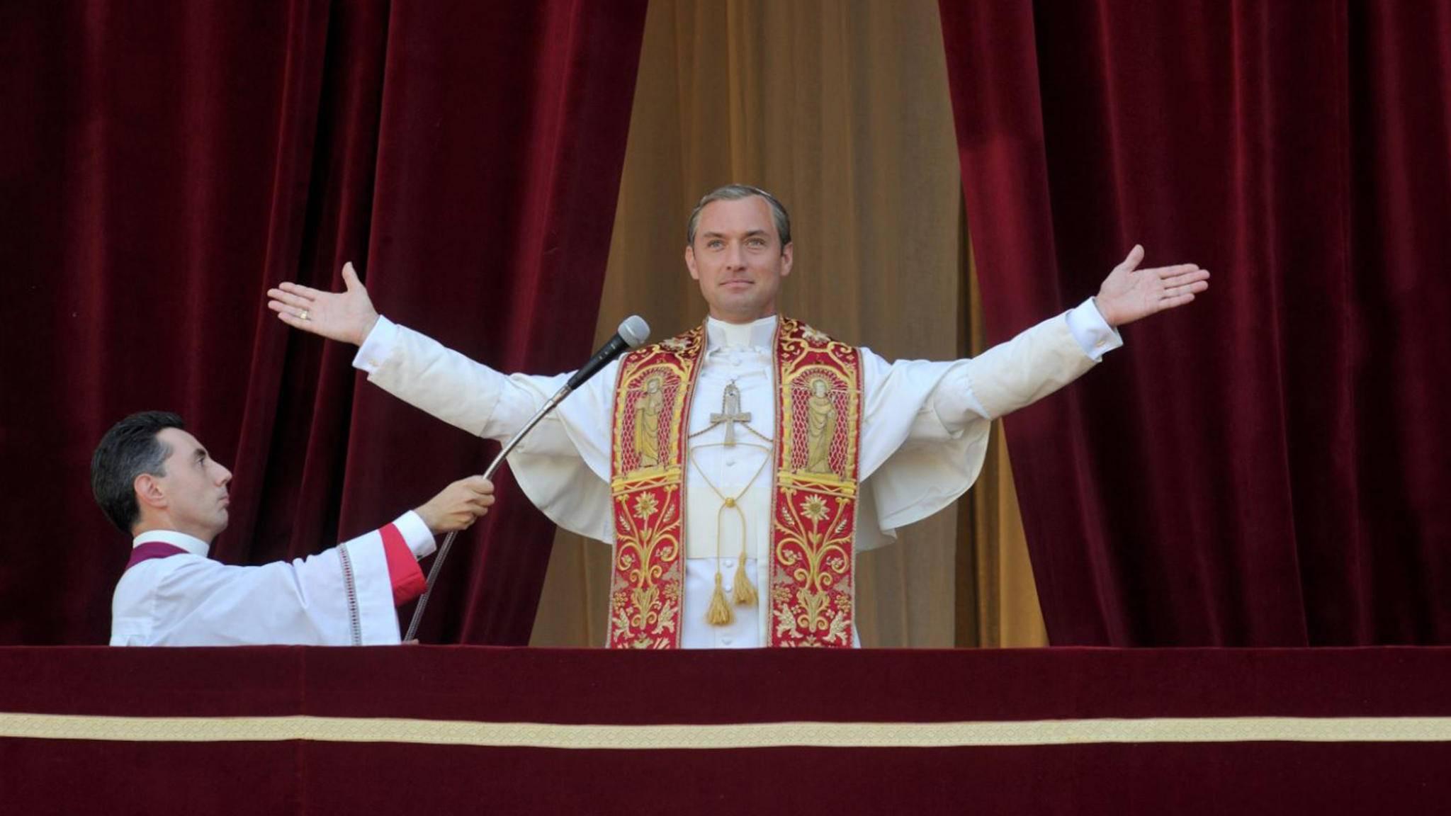 """Zuletzt sahen die TV-Zuschauer Jude Law in der Serie """"The Young Pope"""" als Papst – nun soll er einen Alien mimen."""