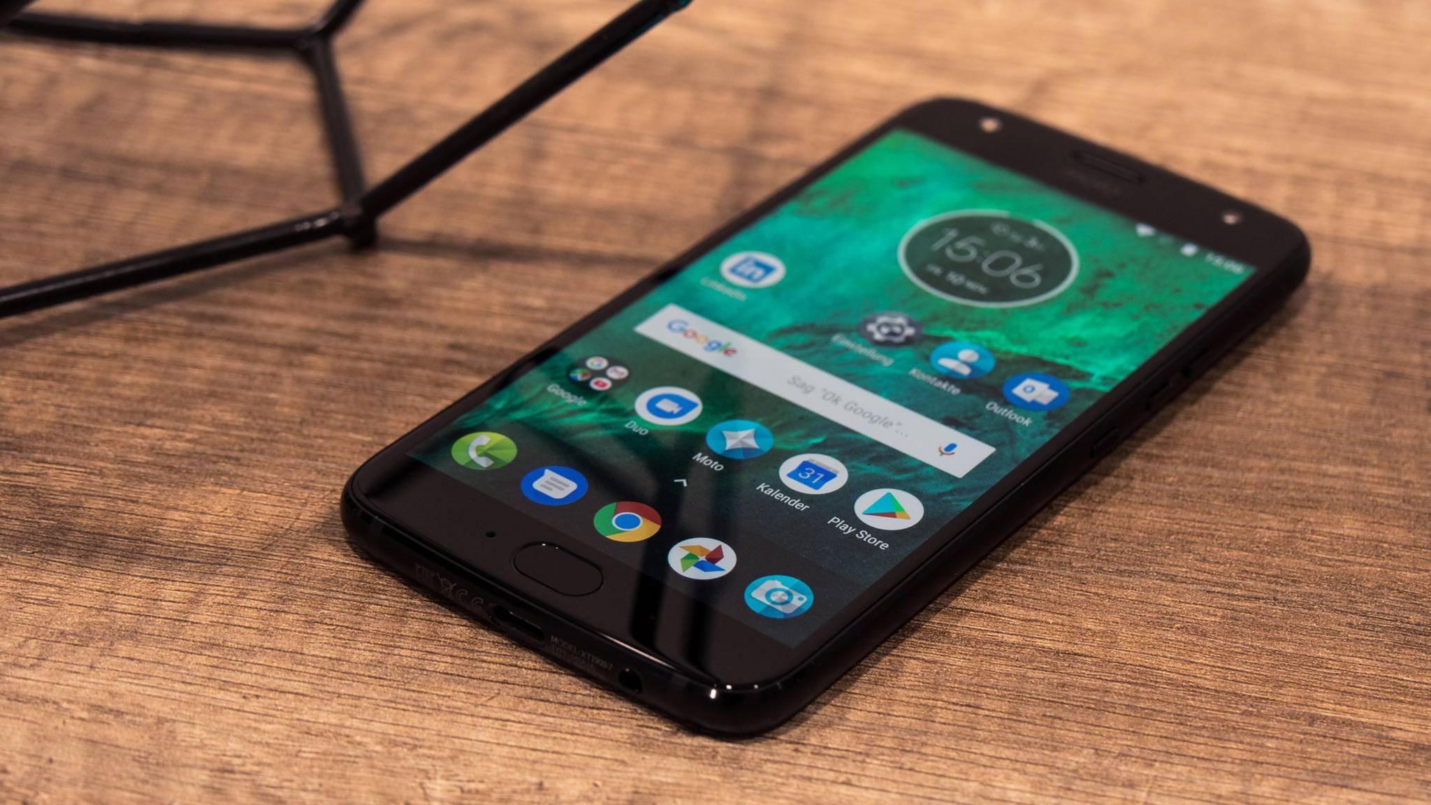 Das Smartphone lädt dank TurboPower sehr schnell auf.