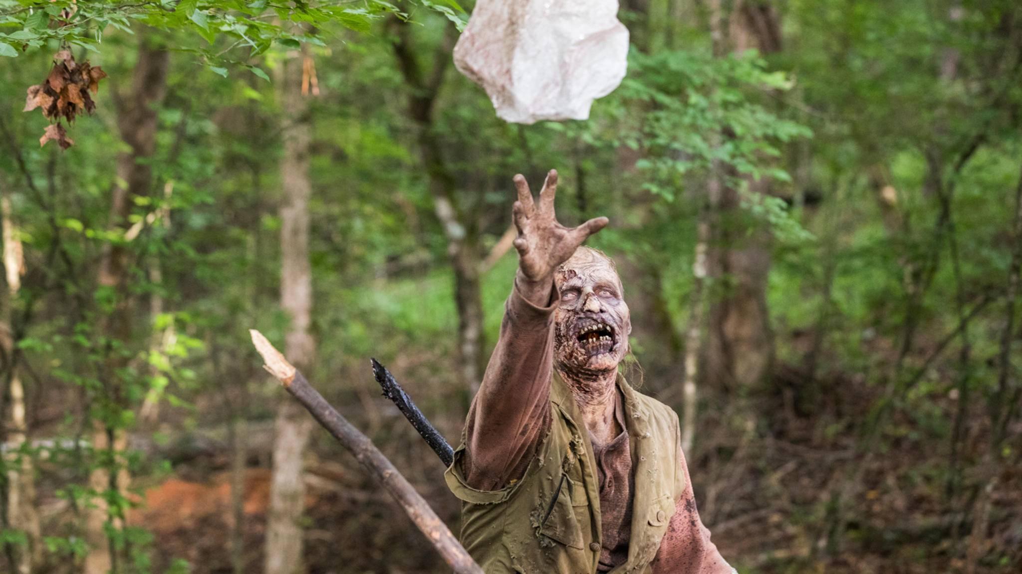 """Bisher waren die Beißer in """"The Walking Dead"""" immer mehr oder weniger bekleidet."""