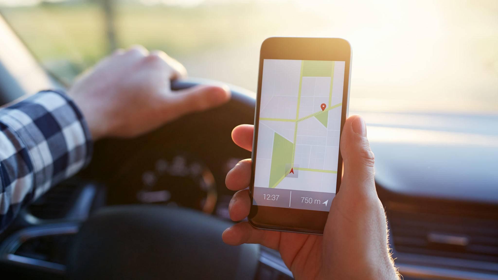 Blitzer-Apps am Steuer: Das kann schnell teuer werden.