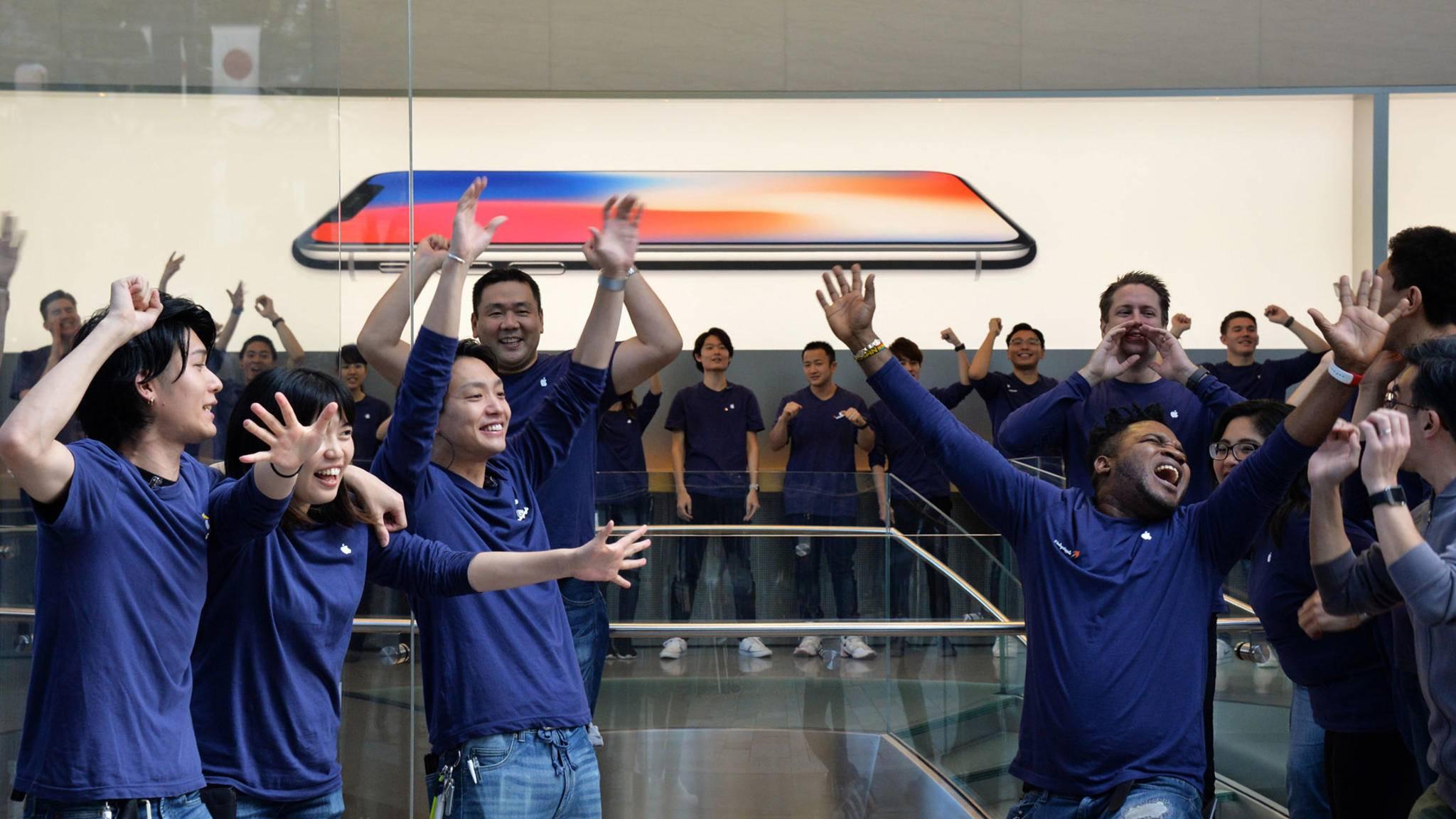 Apple feiert sich selbst – und die glücklichen Käufer eines iPhone X.