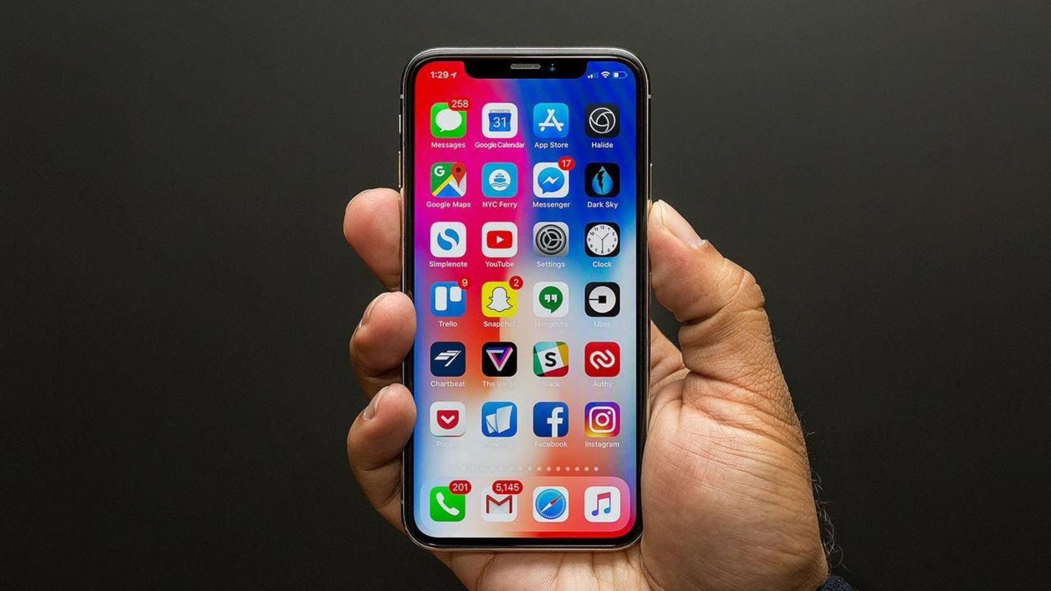 Das iPhone X ist das erste Apple-Smartphone mit OLED-Display.