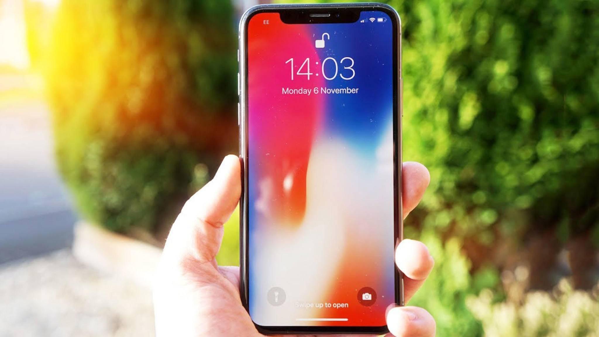 Der Touchscreen bleibt bei eingehenden Anrufen auf dem iPhone X häufig mehrere Sekunden schwarz.