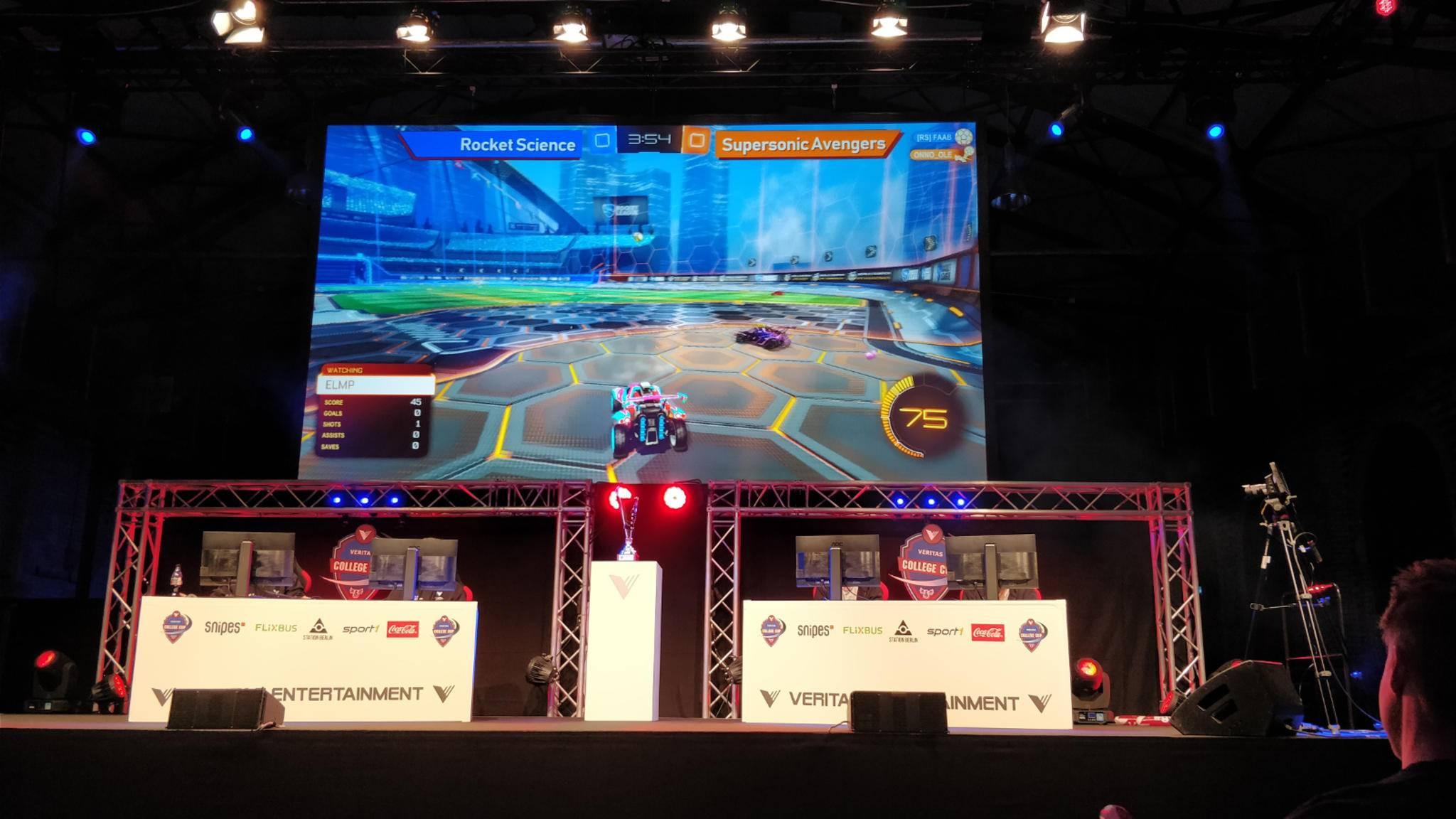 """Beim """"Veritas College Cup"""" bewies """"Rocket League"""", dass E-Sport auch in Deutschland gut ankommen kann."""