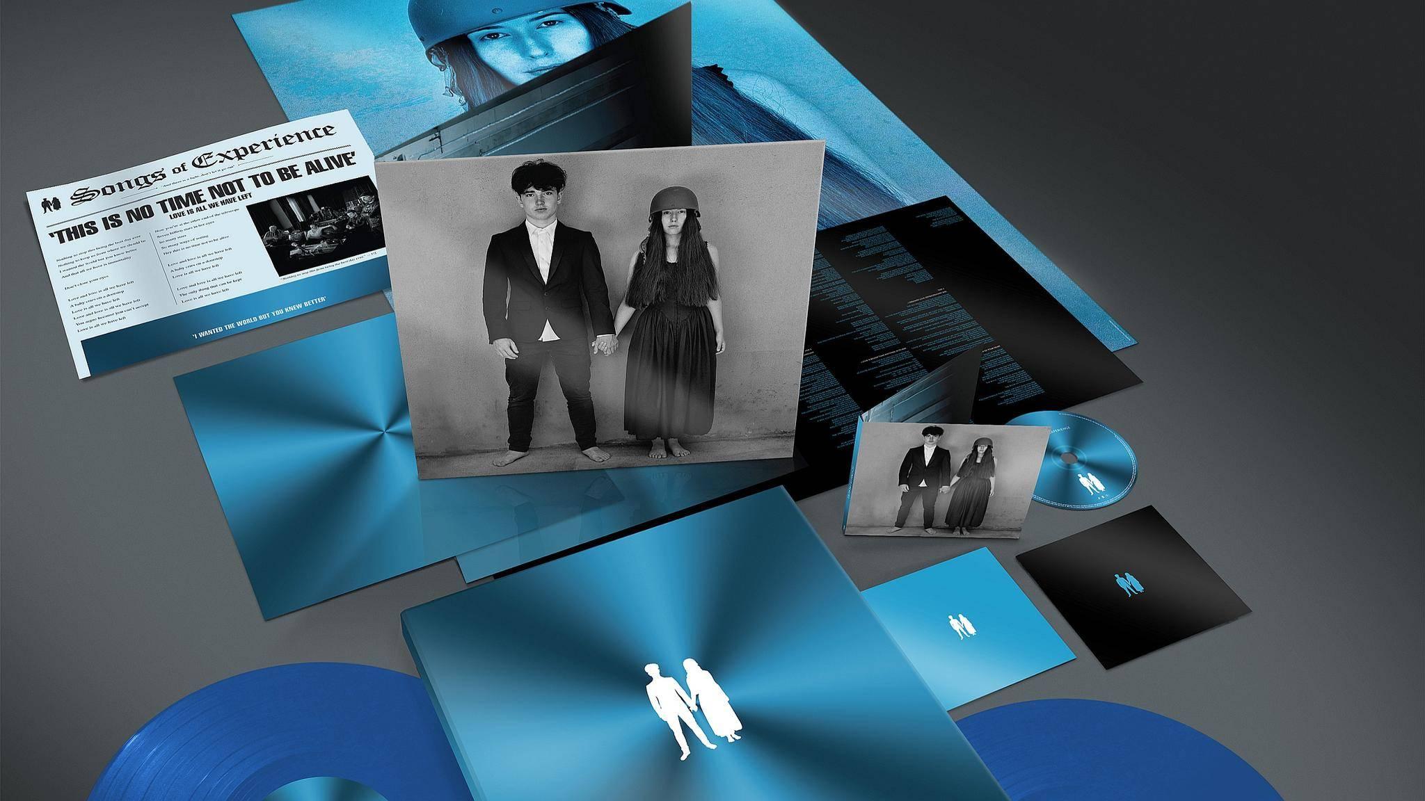 """Alles für Fans: Das Deluxe-Paket zum neuen U2-Album """"Songs of Experience""""."""