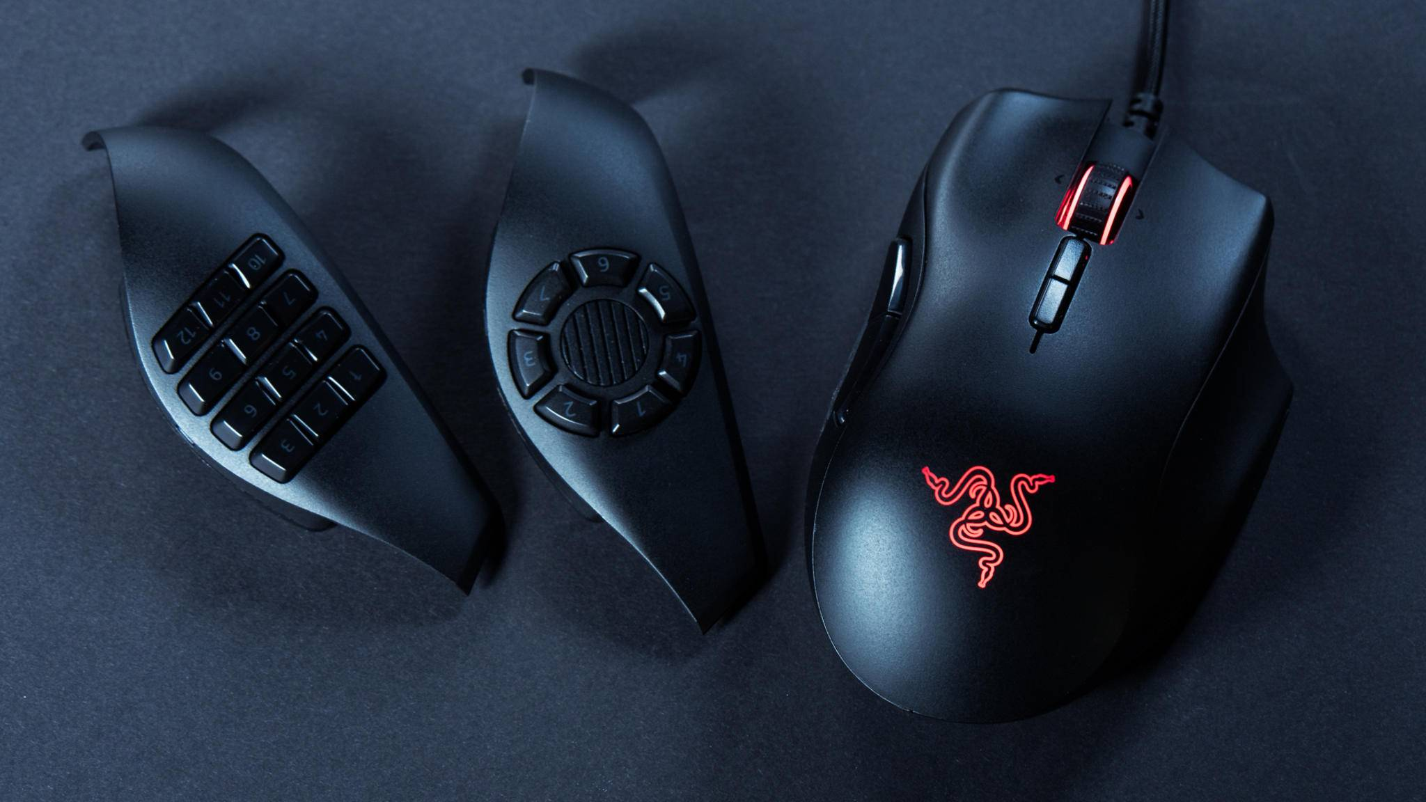 Die Razer Naga Trinity lässt sich dank austauschbarer Seitenteile in verschiedene Gaming-Mäuse verwandeln.