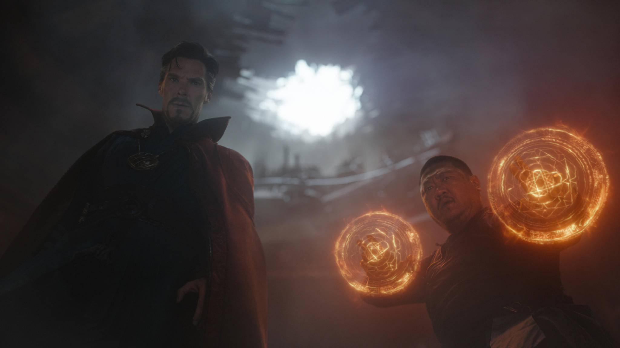 Da staunen Doctor Strange (links) und Wong (rechts) nicht schlecht.