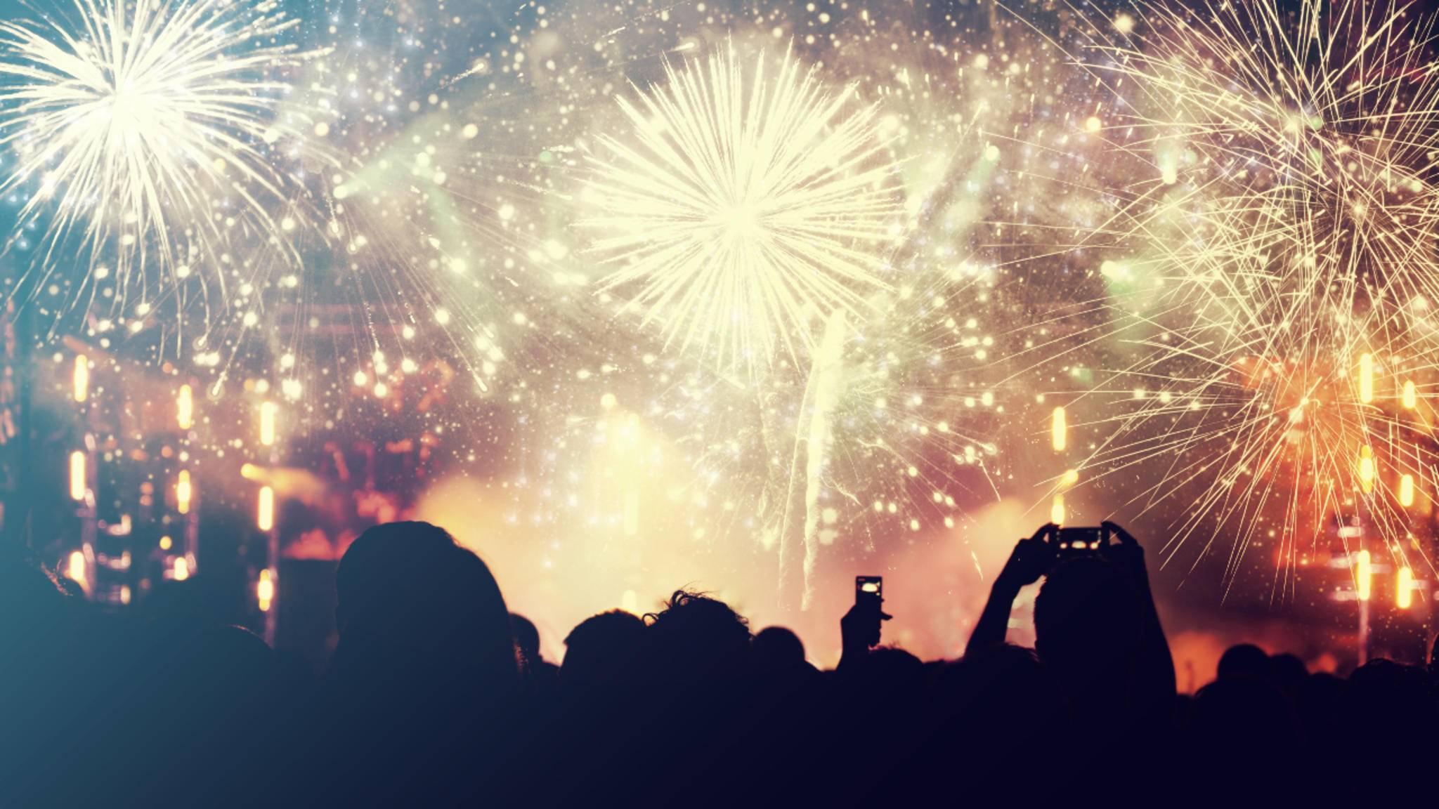 Für das perfekte Feuerwerksfoto braucht der Fotograf immer auch etwas Glück.