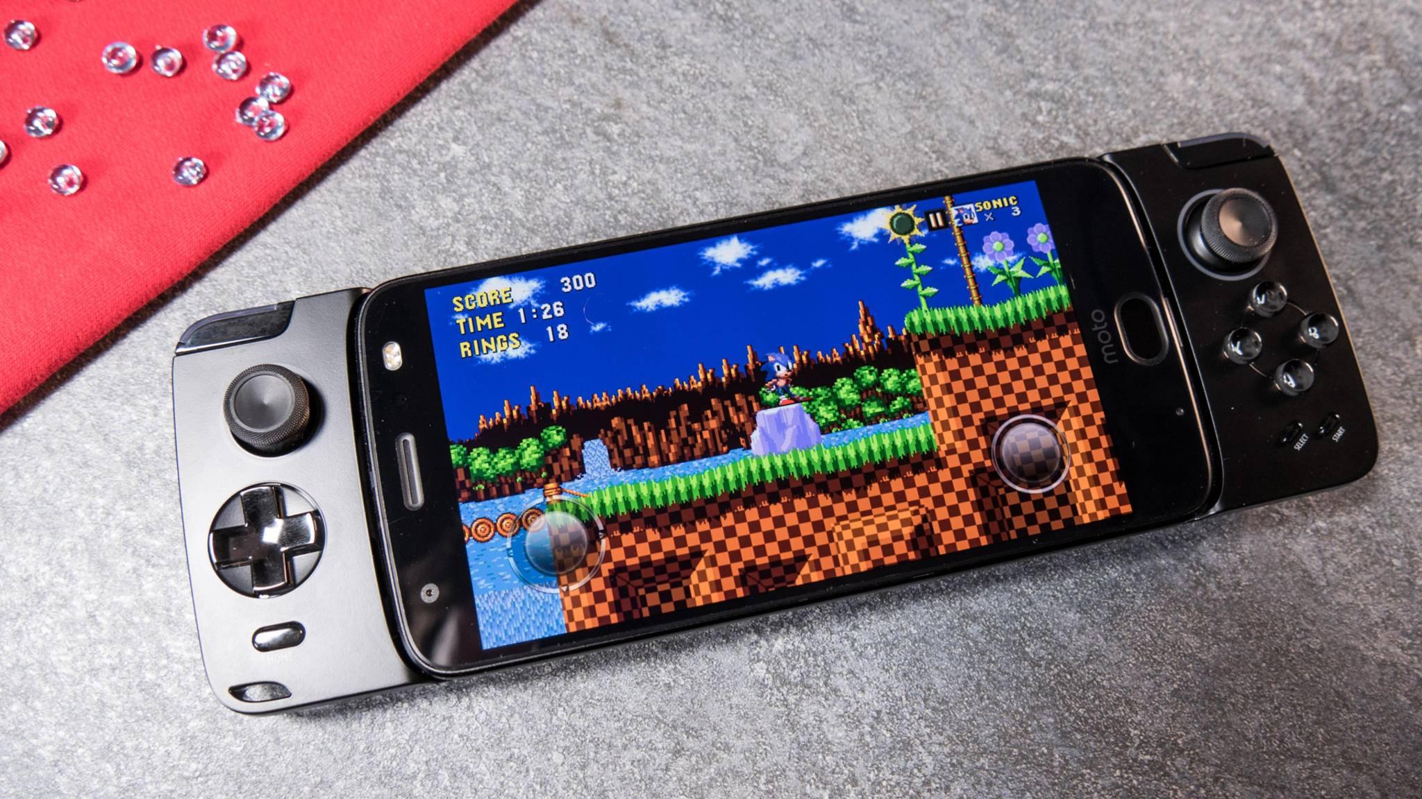 Das Moto Z2 Force mit Gamepad-Mod musste sich diese Woche im Test beweisen.