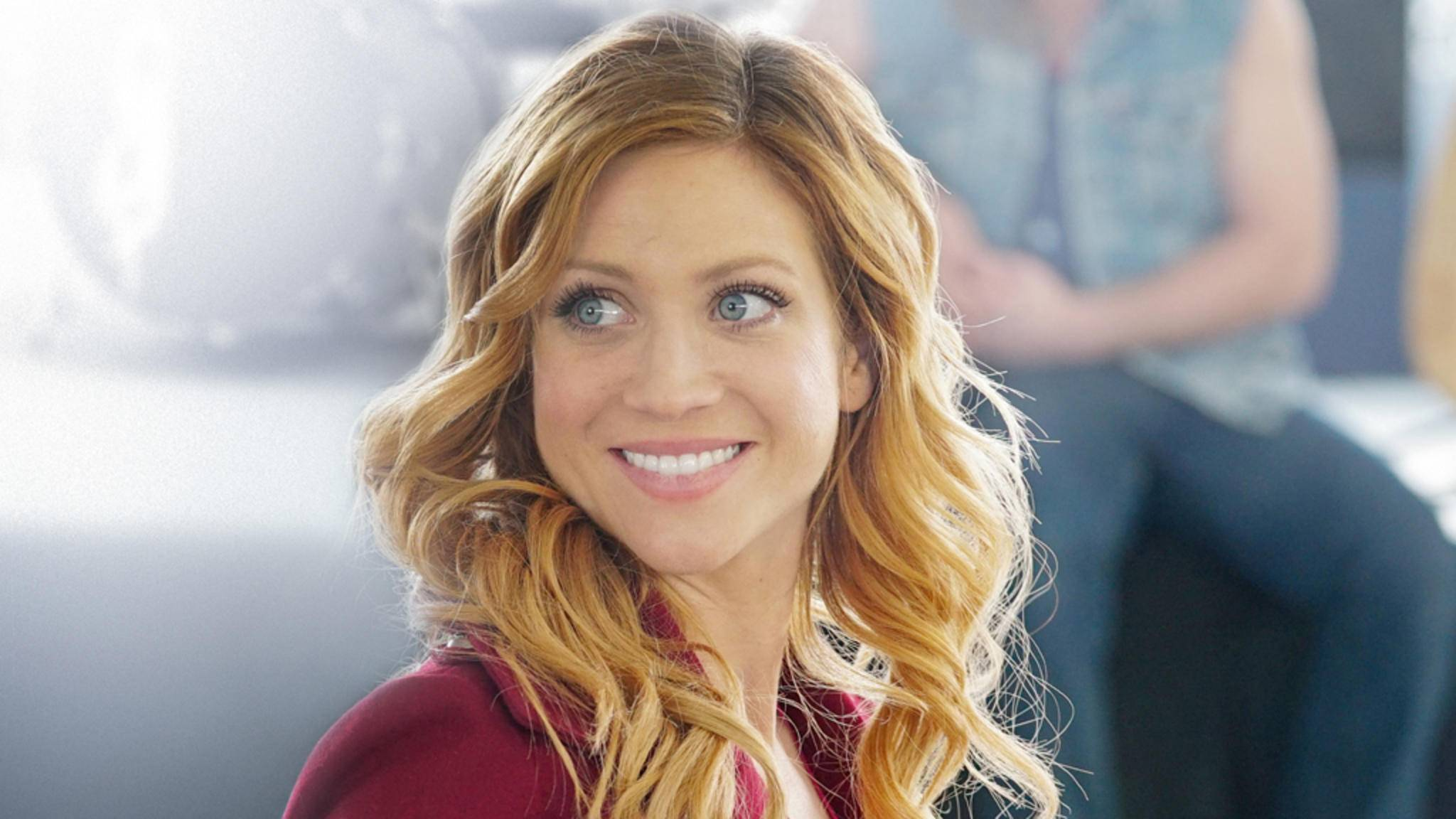 Chloe (Brittany Snow) hofft unterdessen auf eine Zulassung zum Studium der Tiermedizin.