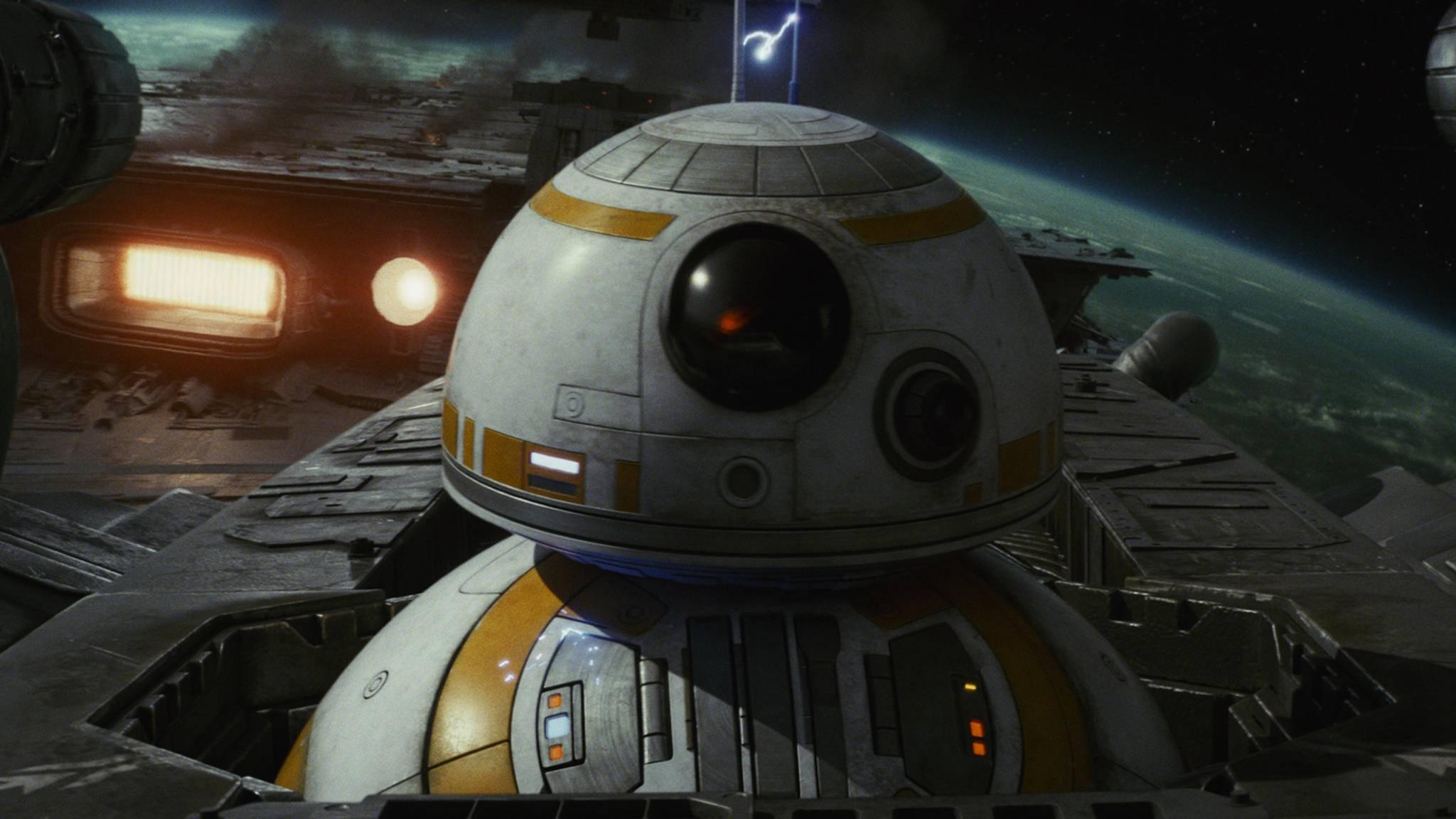 """Auf der ISS gibt es """"Star Wars: Die letzten Jedi"""" vor spektakulärer Weltraumkulisse zu sehen."""