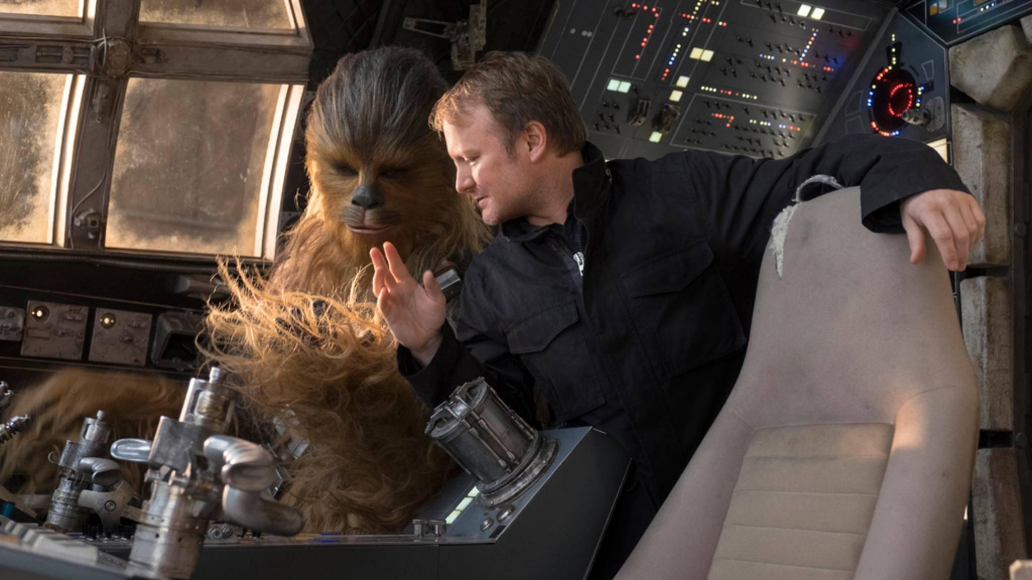"""Regisseur Rian Johnson nimmt die Kritik an """"Die letzten Jedi"""" mit Humor."""