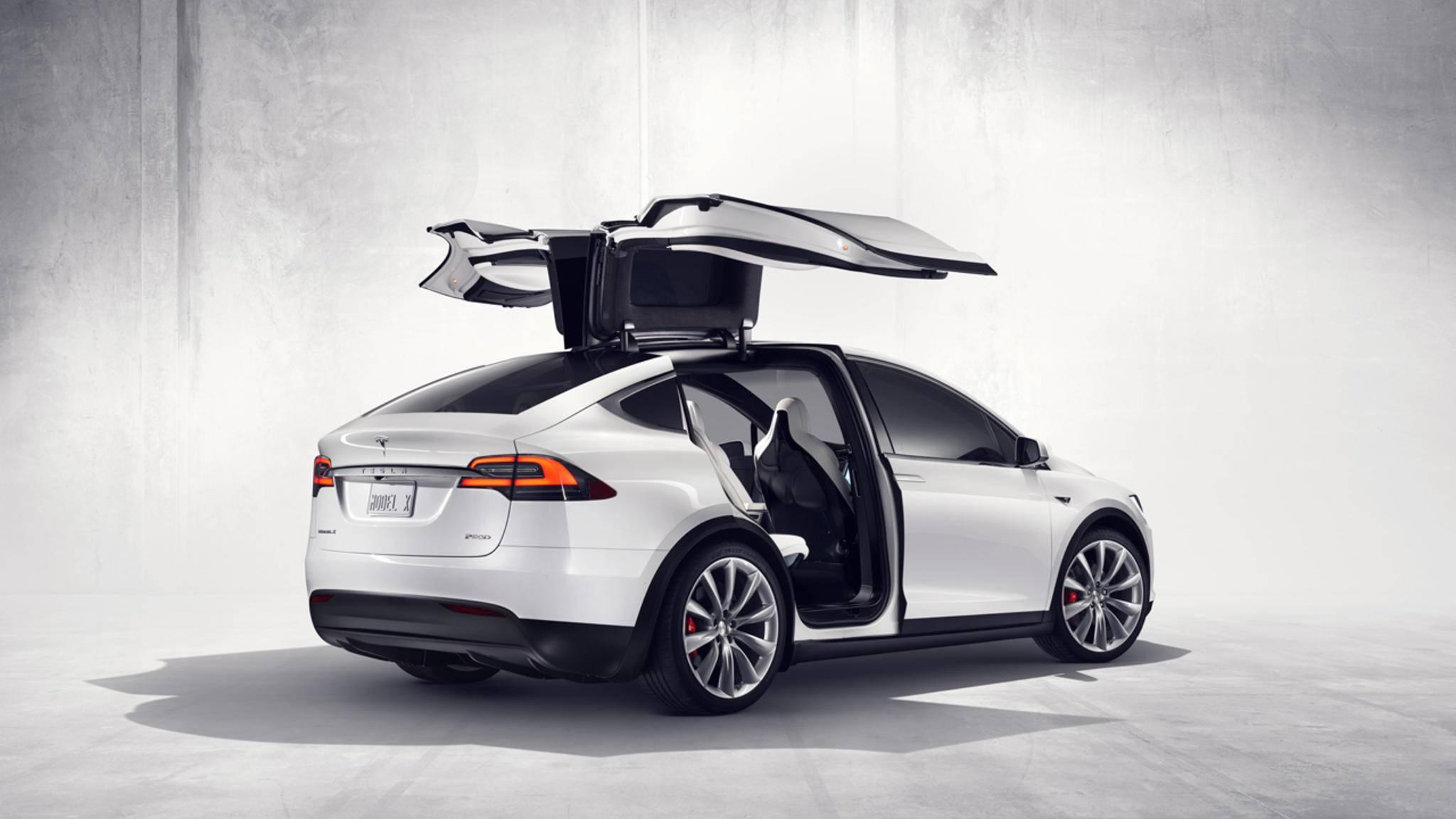 Das Model X von Tesla ließ sich mit fremden Autoschlüsseln öffnen – ein Update hat die Sicherheitslücke geschlossen.
