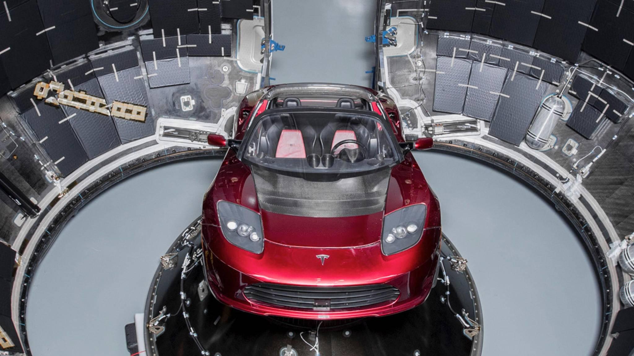 """Eine wahre """"Space Oddity"""": Dieser Tesla Roadster macht sich auf den Weg zum Mars."""