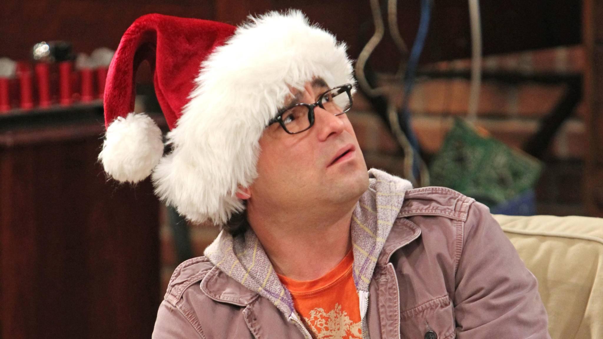 """Herzerwärmend: Auch die """"The Big Bang Theory""""-Nerds rund um Leonard und Sheldon feiern das Fest der Liebe."""