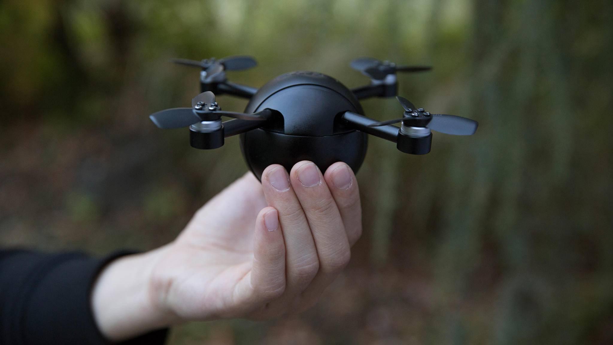 Die Kamera-Drohne PITTA hat viele Funktionen.