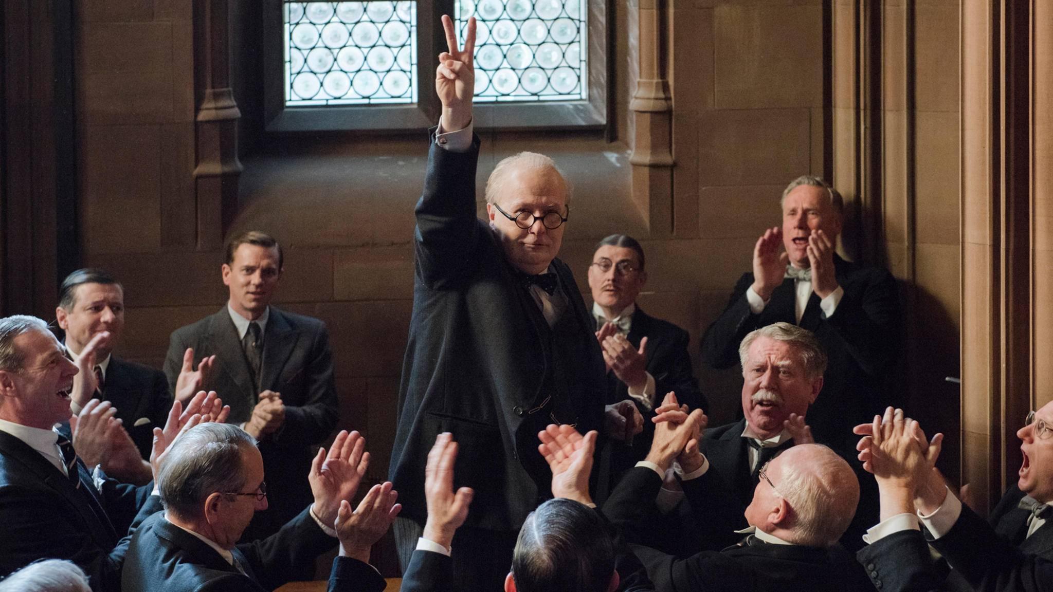 """Gary Oldman setzt seinen Award-Siegeszug mit """"Die dunkelste Stunde"""" fort – und gilt als ein Favorit für die kommenden Oscars."""