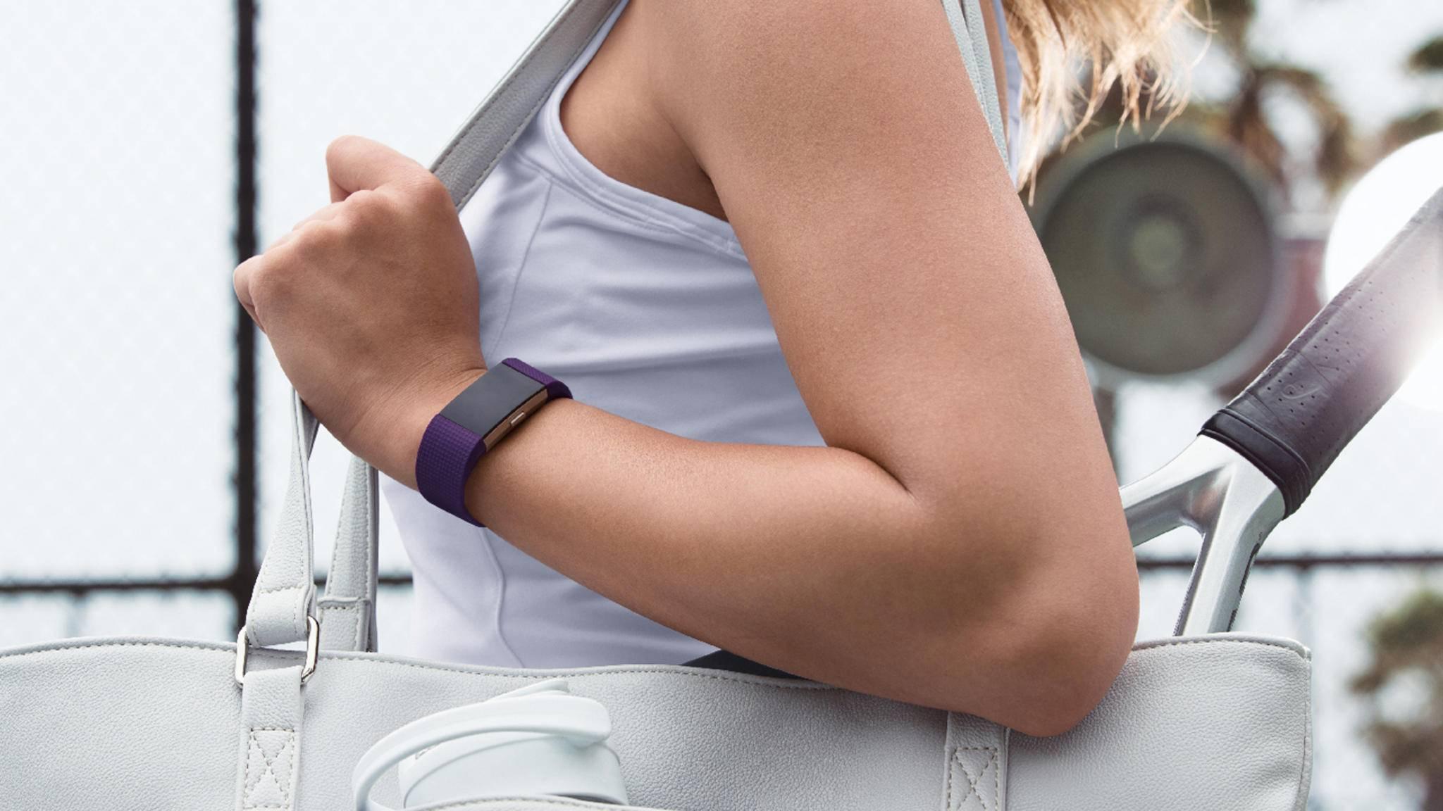 Der Fitbit Charge 3 dürfte sich noch eleganter ums Handgelenk schmiegen als der Charge 2.