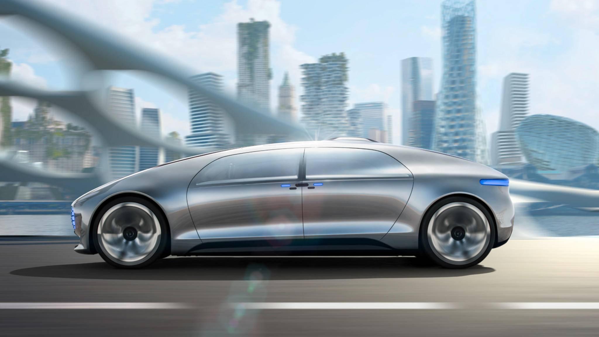 """Mit der Fahrzeugstudie F 015 """"Luxury in Motion"""" zeigte Mercedes 2015, dass auch sie das Thema autonomes Fahren ernstnehmen."""