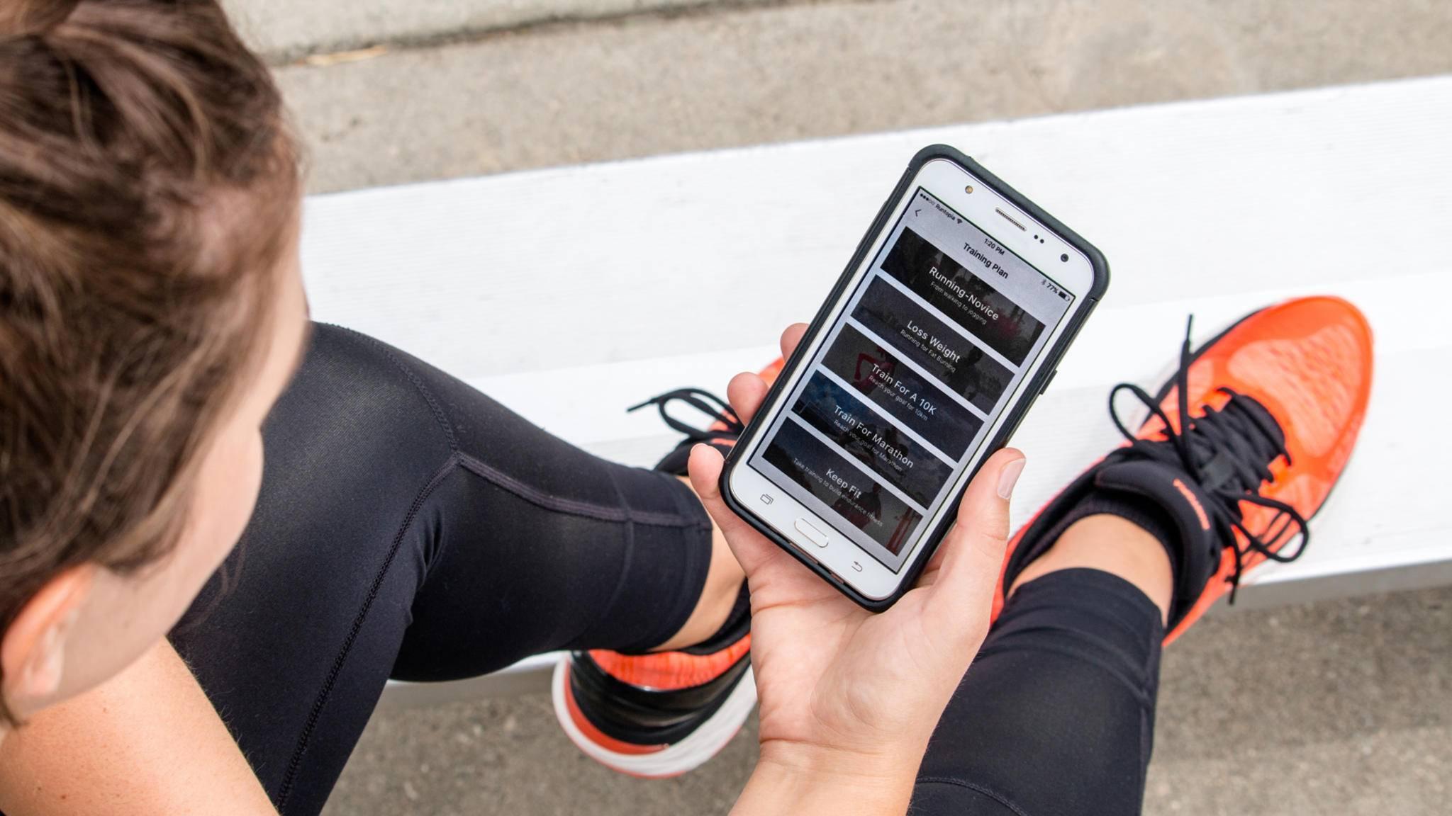 Sensoren im Schuh wie hier von Runtopia können wichtige Einblicke in das Lauftraining gewähren.