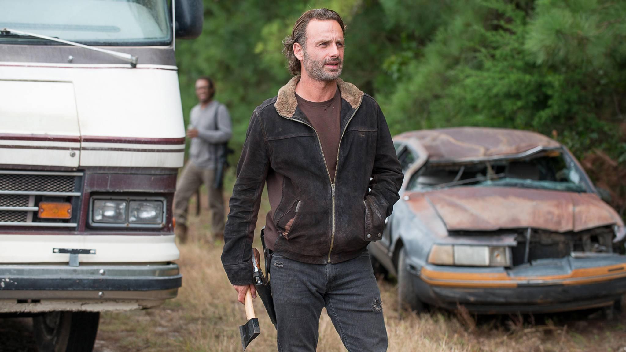 Die dunkelbraune Lederjacke gehört zu den liebsten Kleidungsstücken von Rick Grimes.