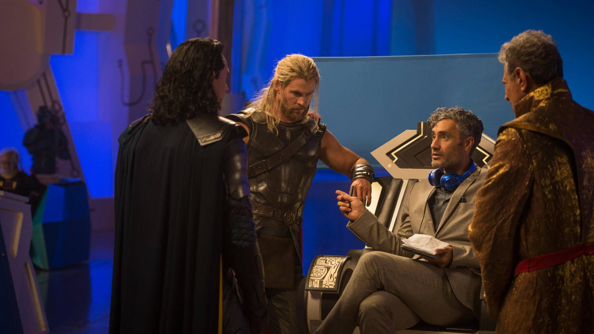"Taika Waititi (2. v. rechts) hat für ""Thor 4"" abgefahrene Pläne."