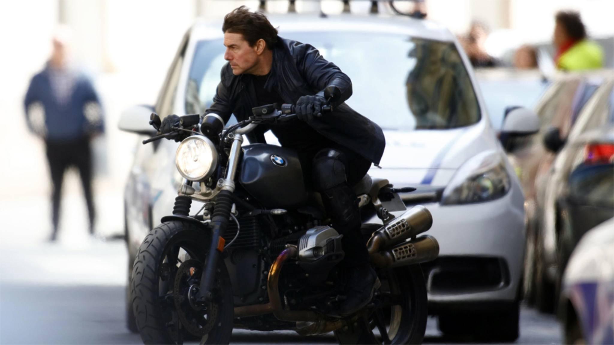 Action-Star Tom Cruise liebt die Herausforderung am Set.