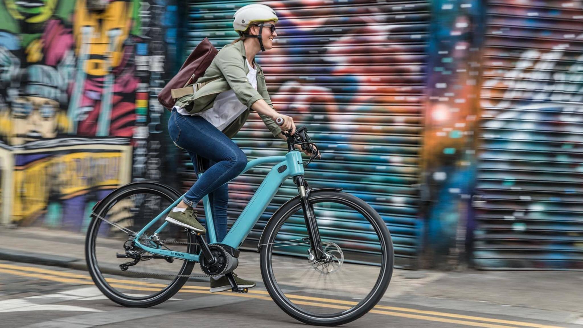 Mühseliges Schleppen war gestern: E-Bikes werden immer leichter und schlanker.