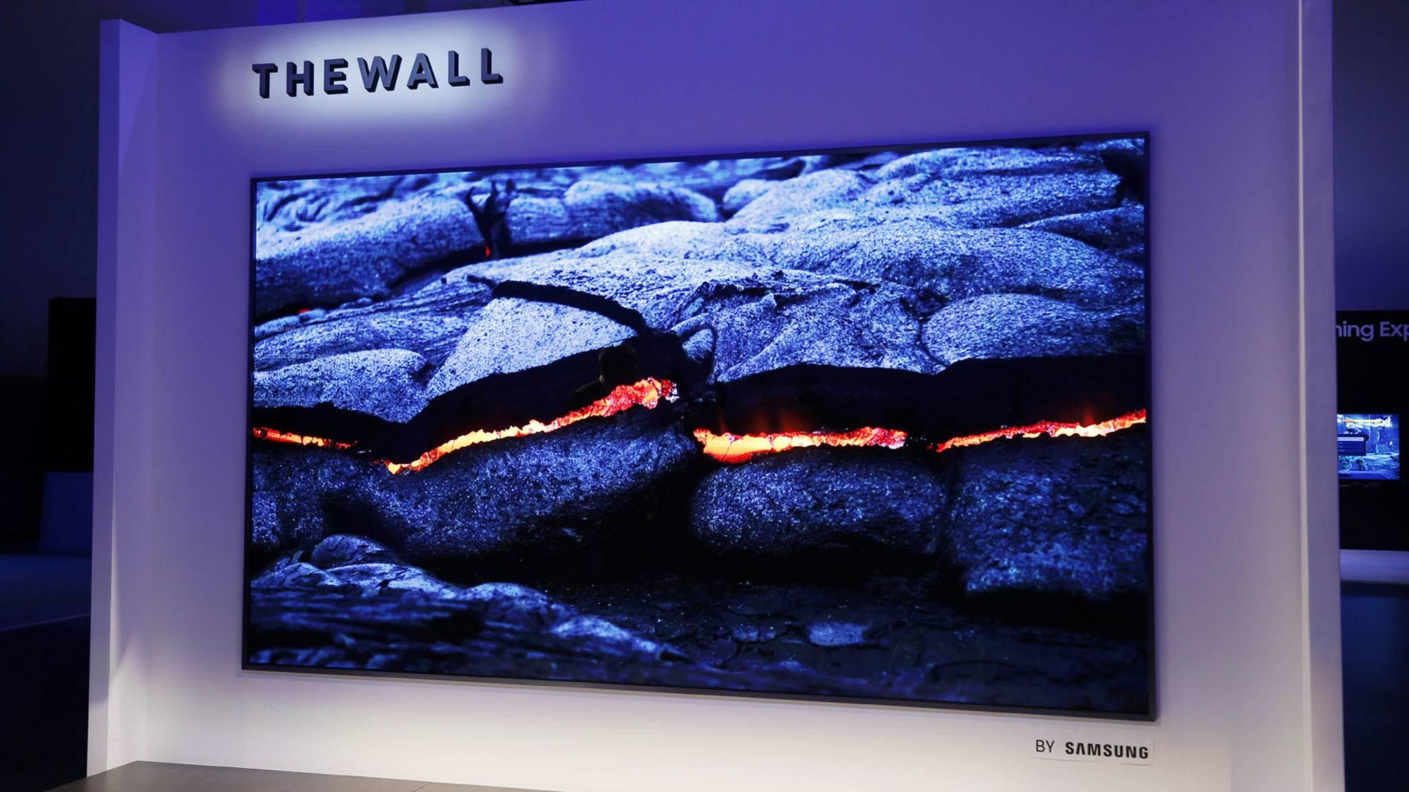"""Samsung präsentierte auf der CES 2018 den mächtigen Fernseher """"The Wall""""."""