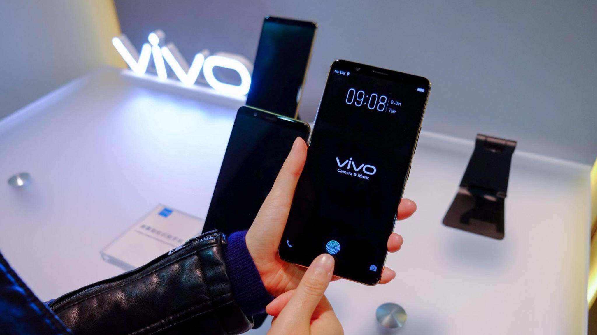 Ein Fingerabdrucksensor direkt im Bildschirm: Dieses Vivo-Smartphone hat bereits die neue Technik integriert.