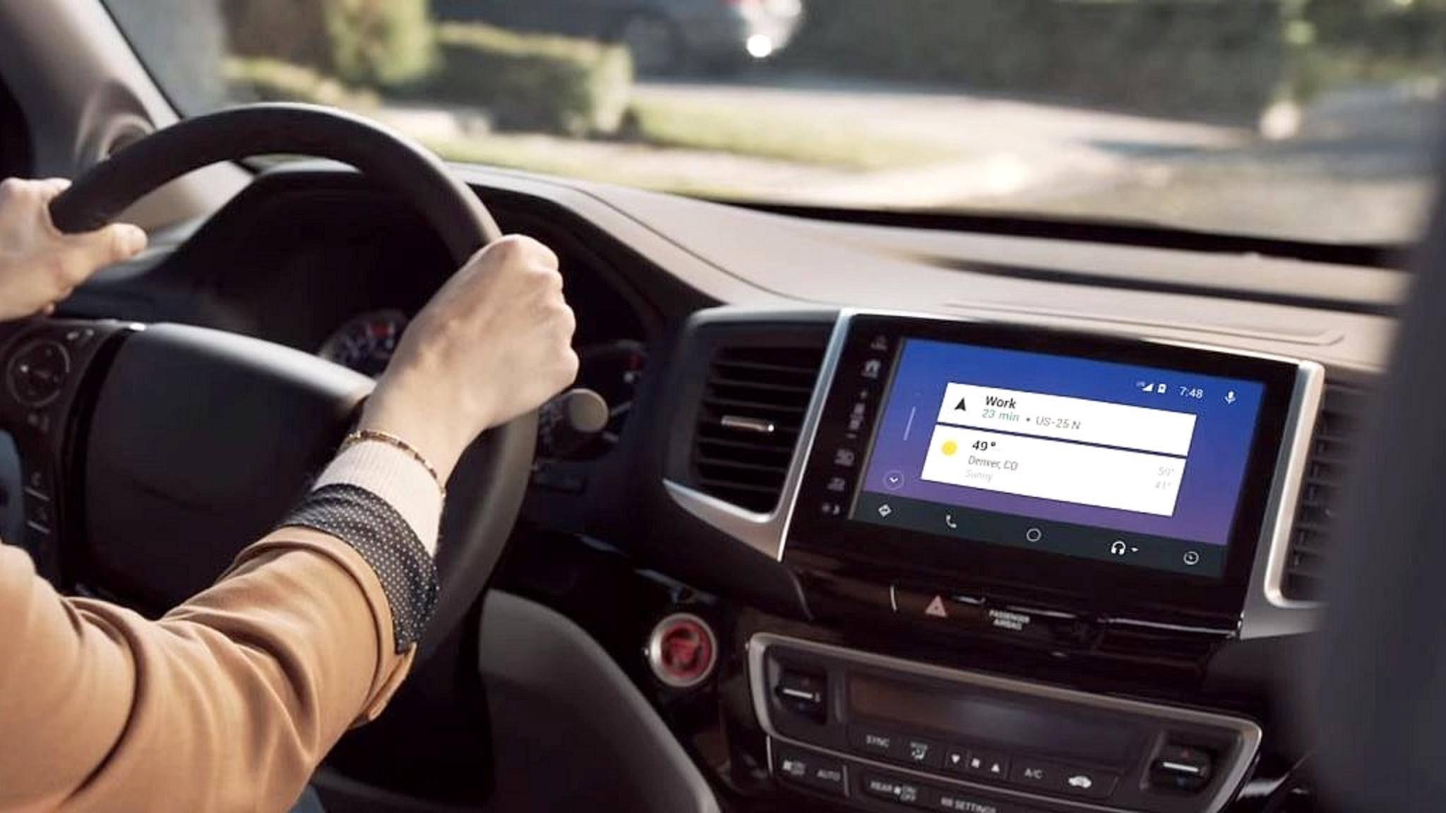 Smarte Systeme wie Apple Carplay oder Android Auto lassen sich oft nachrüsten.