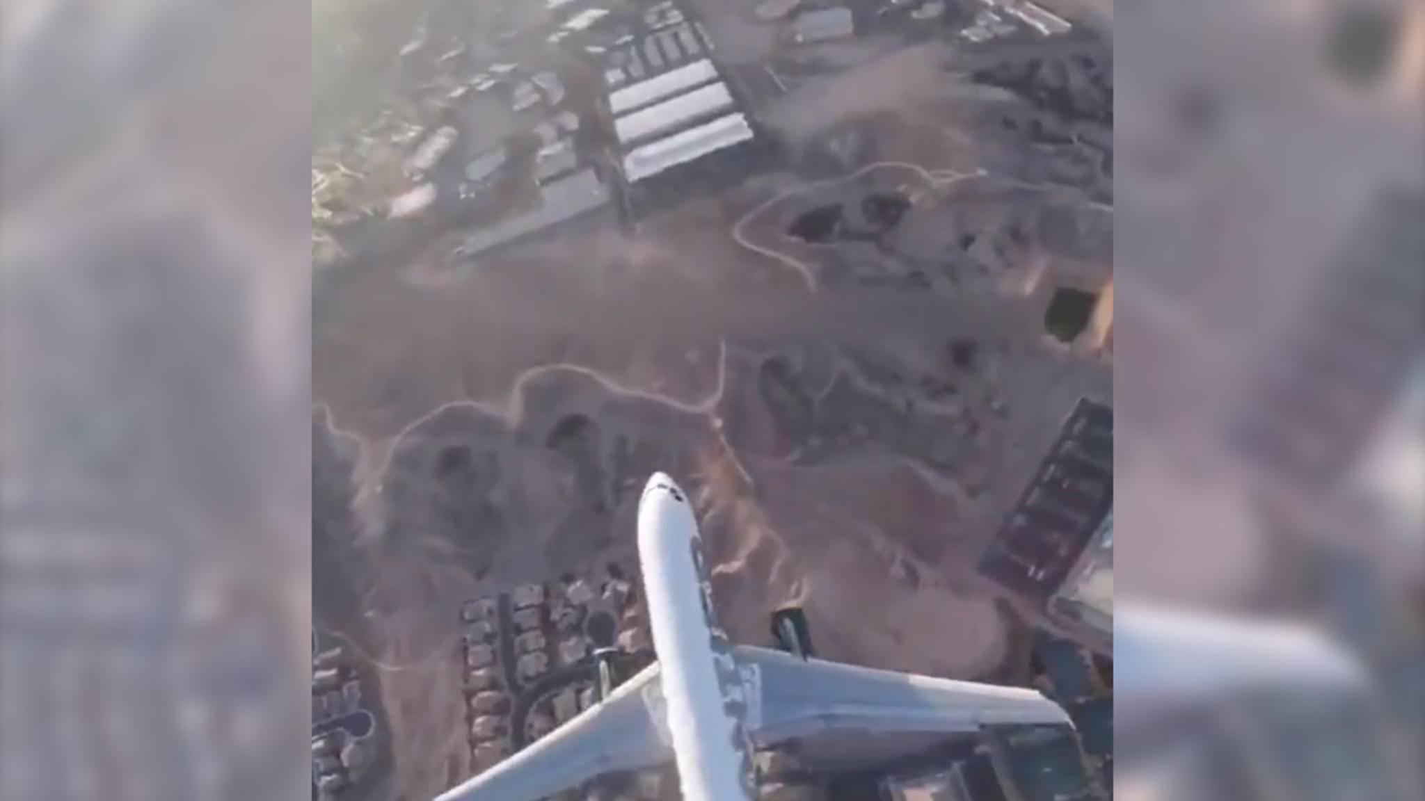 In Nevada flog jemand mit einer Drohne genau über einem Flugzeug.