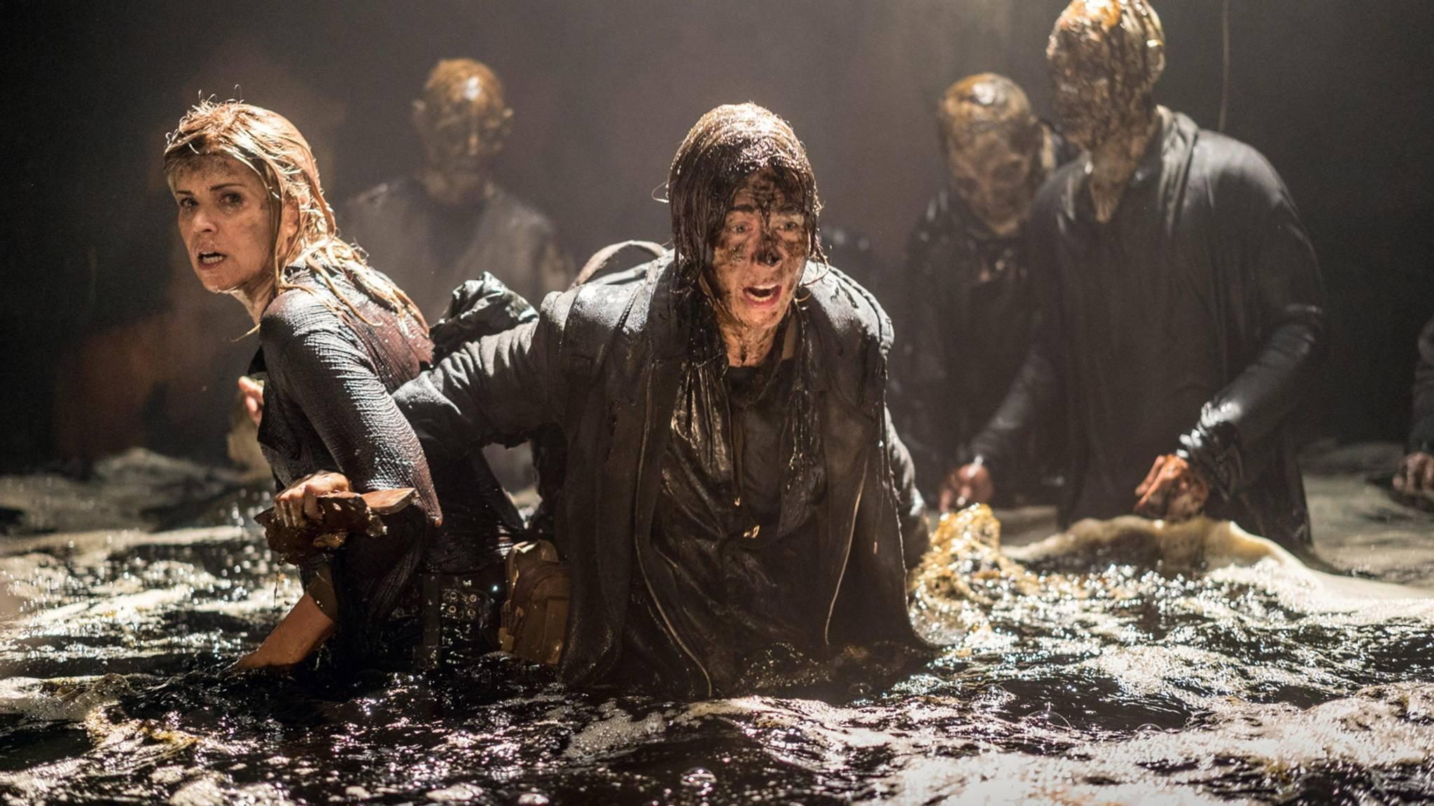 Fear the Walking Dead-Madison-Kim Dickens-Naomi-Jenna Elfman-AMC