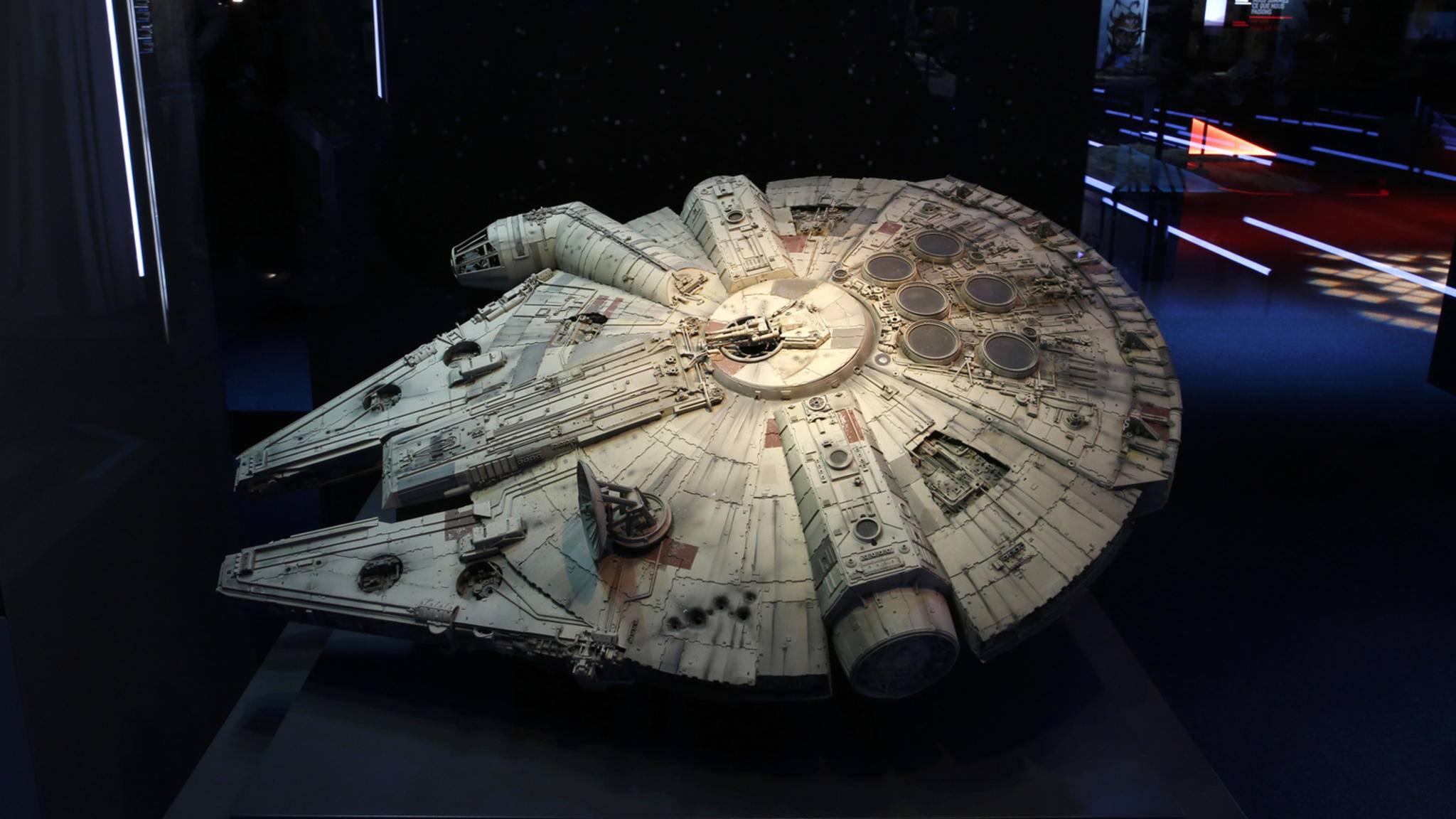 """Vielleicht sehen wir schon kommendes Wochenende den Millenium Falken im """"Solo: A Star Wars Story""""-Trailer durch die Galaxis düsen."""