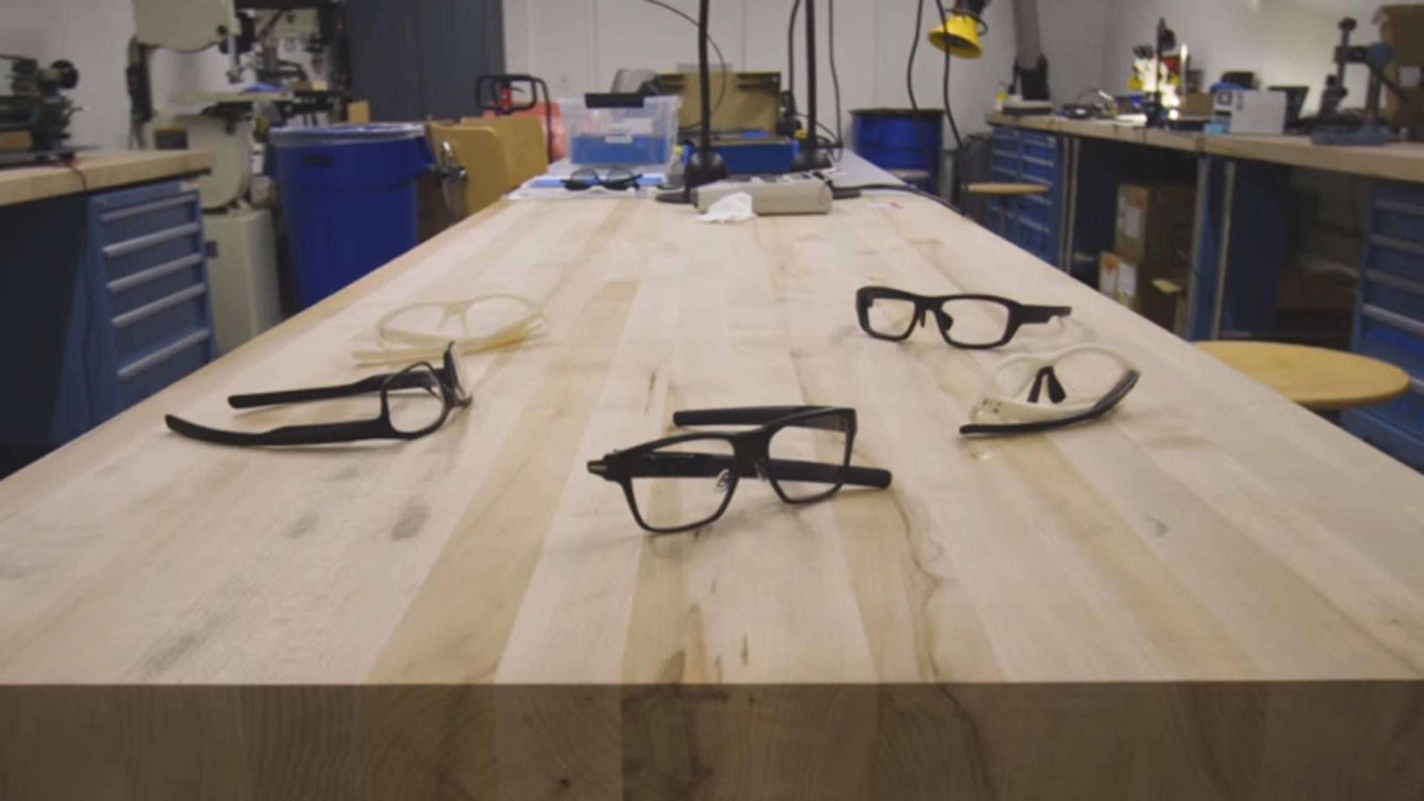 Verlassene Arbeitsplätze bei Intel: Die smarte Brille Vaunt wird es nie auf den Markt schaffen.