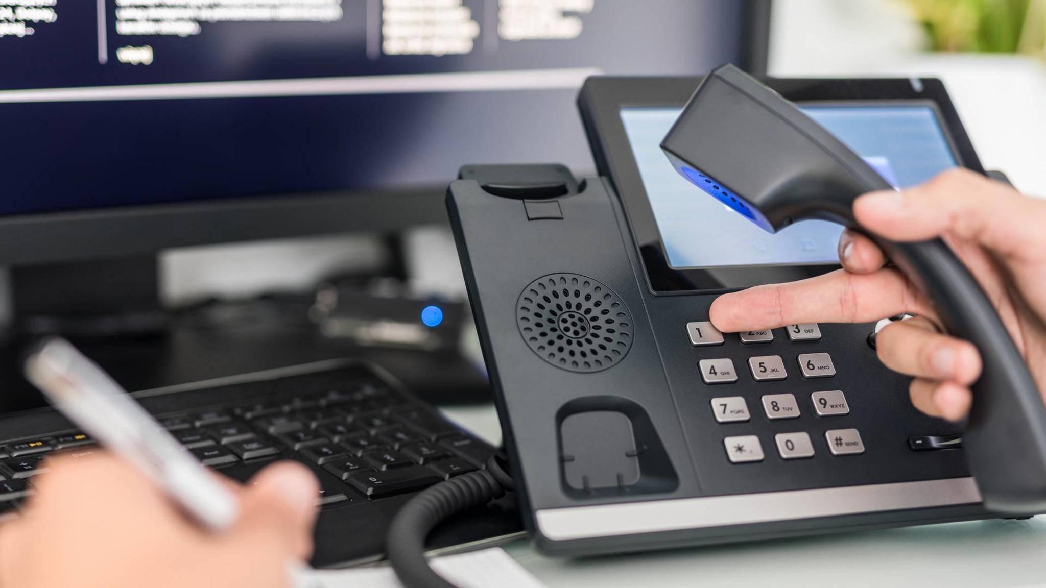 VoIP steht für das Telefonieren über das Internet.