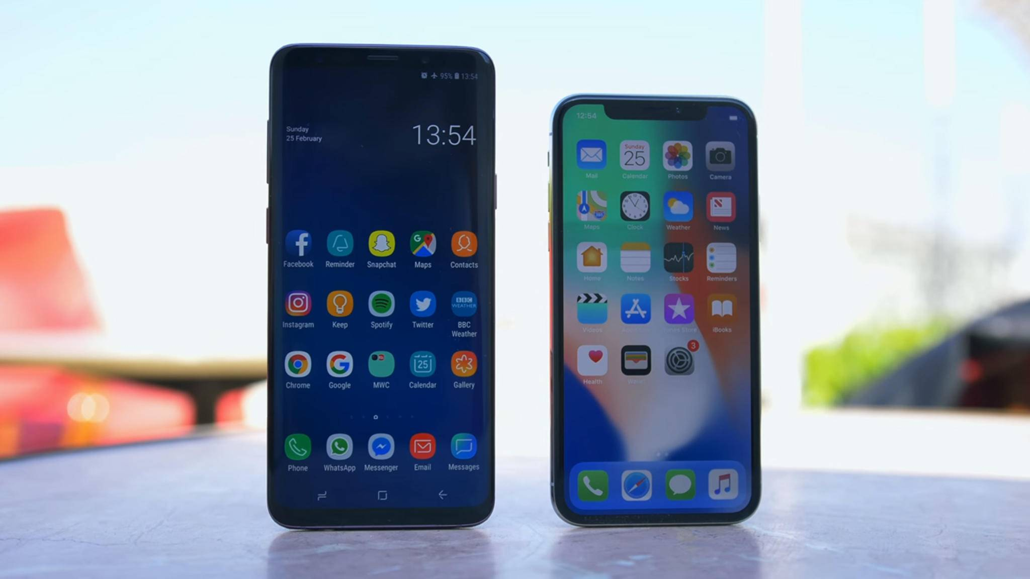 Das Galaxy S9 ist da und greift das iPhone X an.