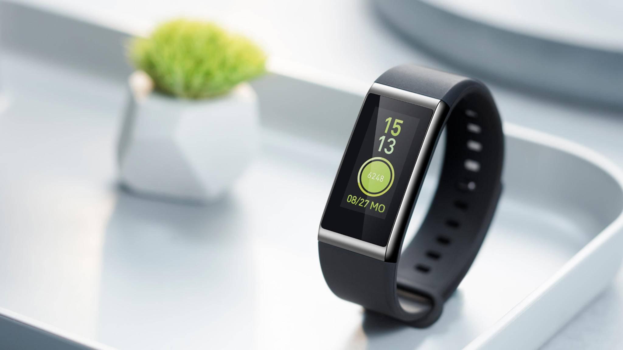 Der Amazfit Cor besticht mit einem farbigen LCD-Touch-Display, das auch bei direktem Lichteinfall gut zu lesen ist.
