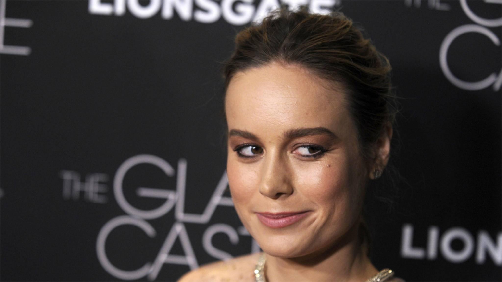 """Das muss auch Hauptdarstellerin Brie Larson schmunzeln: """"Captain Marvel"""" ist offenbar eine witzige Angelegenheit."""