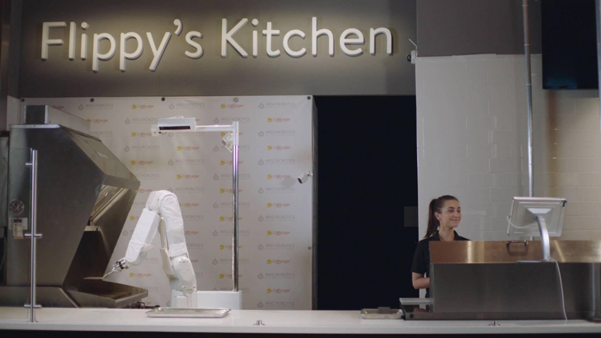 Küchenmaschine der etwas anderen Art: Burger-Roboter Flippy hat seinen ersten Dienst angetreten.