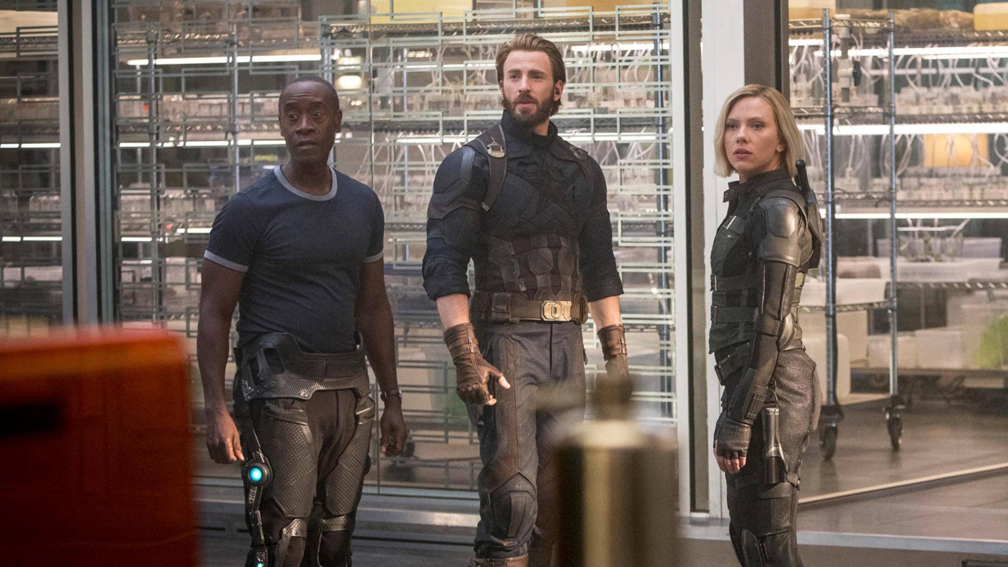 Schauspieler wechsle dich: War Machine (links) hat im Marvel Cinematic Universe mehrere Gesichter – nicht als Einziger.