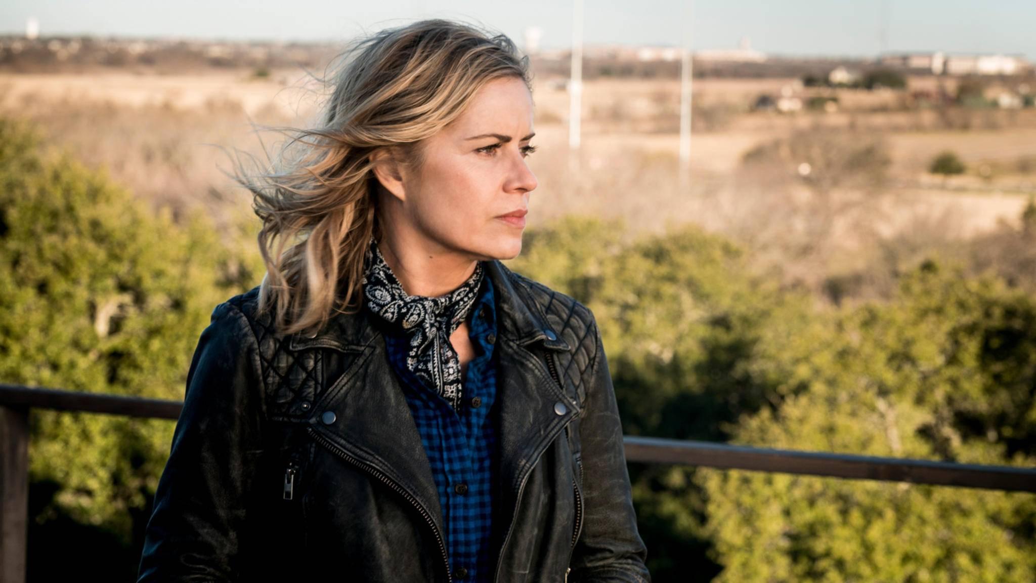 """Madison-Darstellerin Kim Dickens verrät, was ihre Figur in """"Fear the Walking Dead""""-Staffel 4 erwartet – zum Teil zumindest ..."""