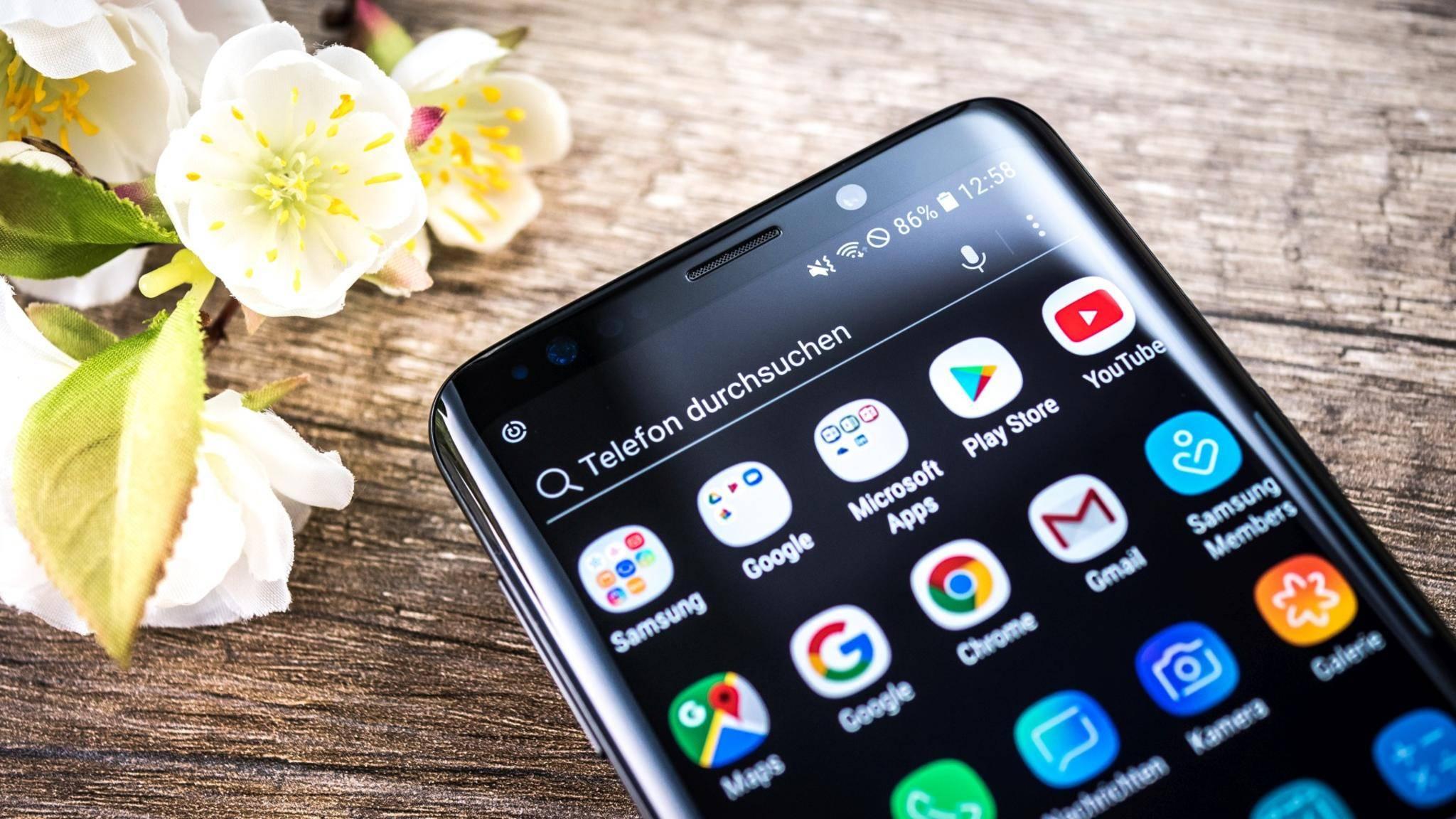 Das Galaxy S10 soll sich optisch nicht großartig vom Galaxy S9 (hier im Bild) unterscheiden.