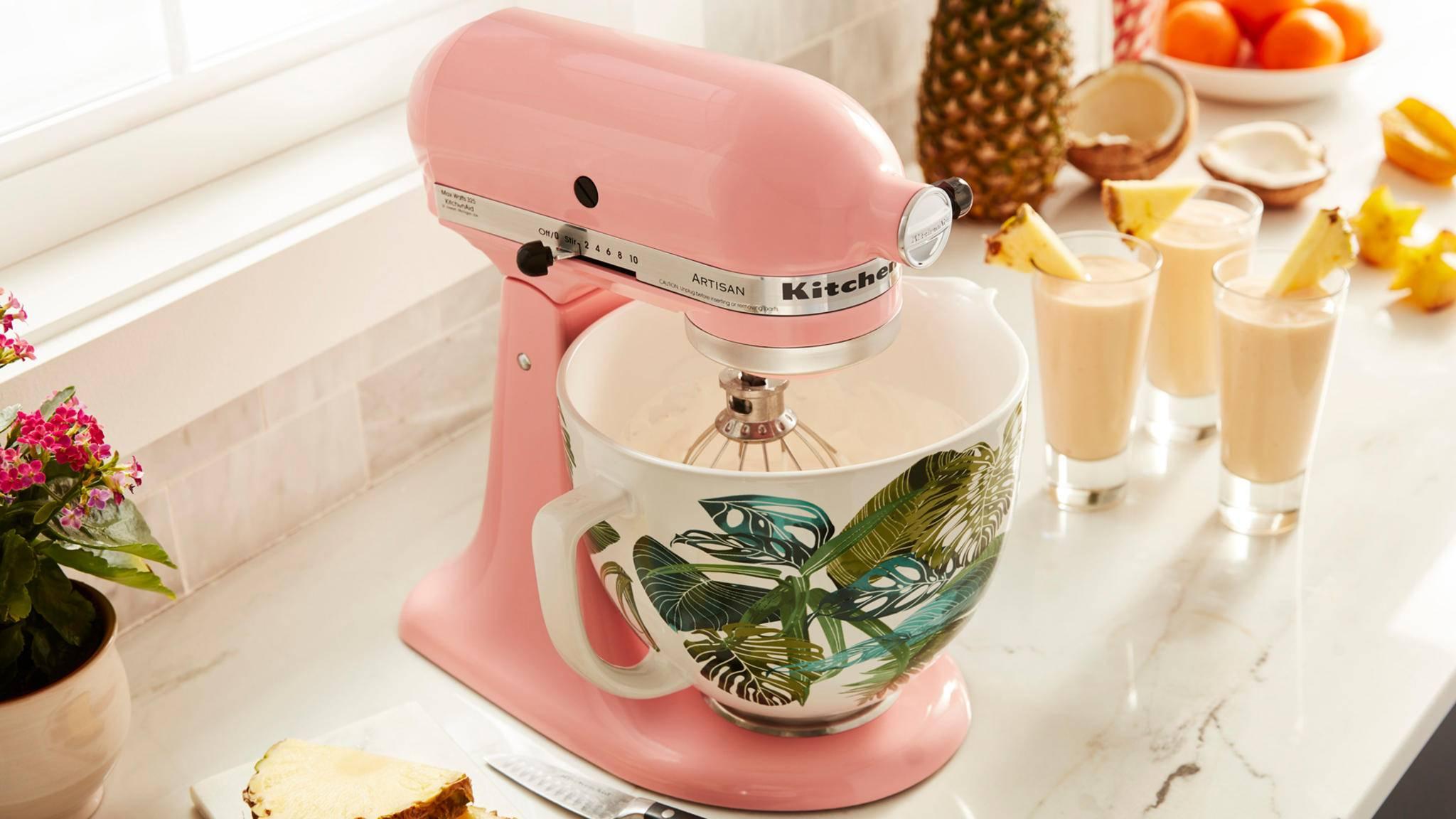 Die neuen Rührschüsseln von KitchenAid bringen Farbe in die Küche.