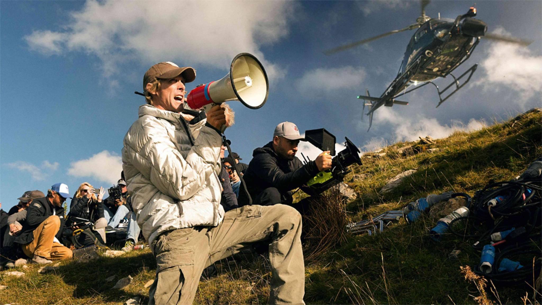 Michael Bay bleibt offenbar auch in Zukunft seiner Vorliebe für das Action-Genre treu.