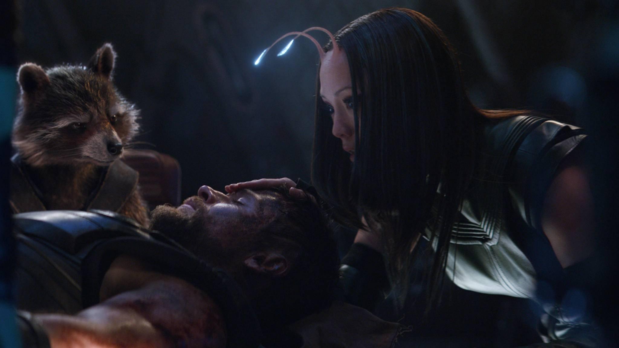 Vor dem Kampf gegen Thanos sammeln die Guardians Thor ein.