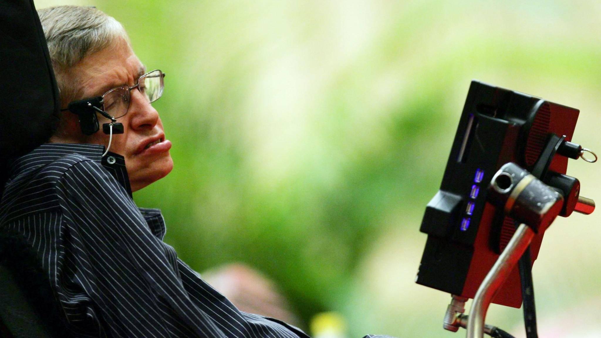 Stephen Hawking hat sich auch durch Weltuntergangsprognosen einen Namen gemacht.