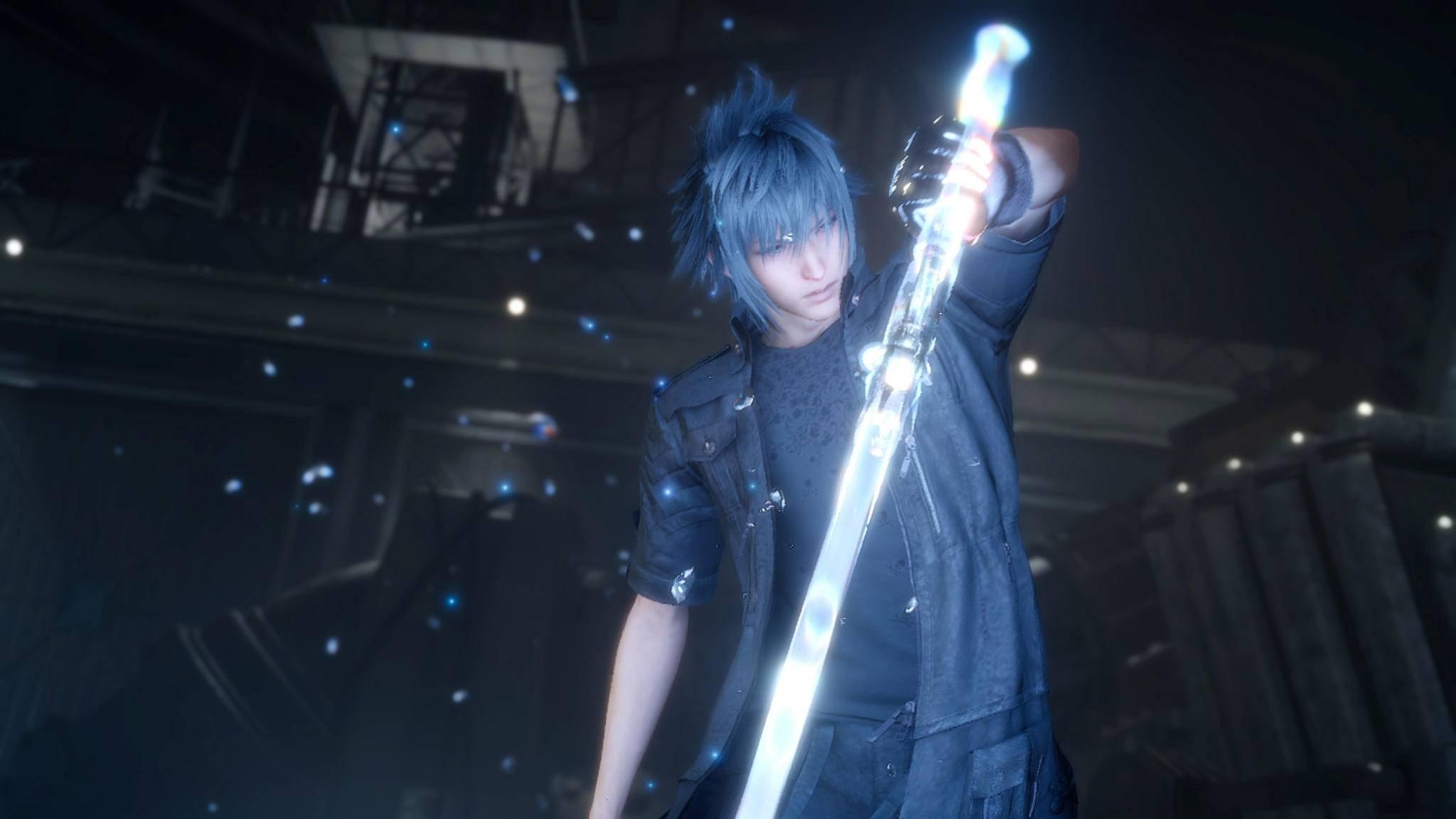 """Prinz Noctis kann mit den Königswaffen in """"Final Fantasy 15"""" besonders kräftig zuschlagen."""