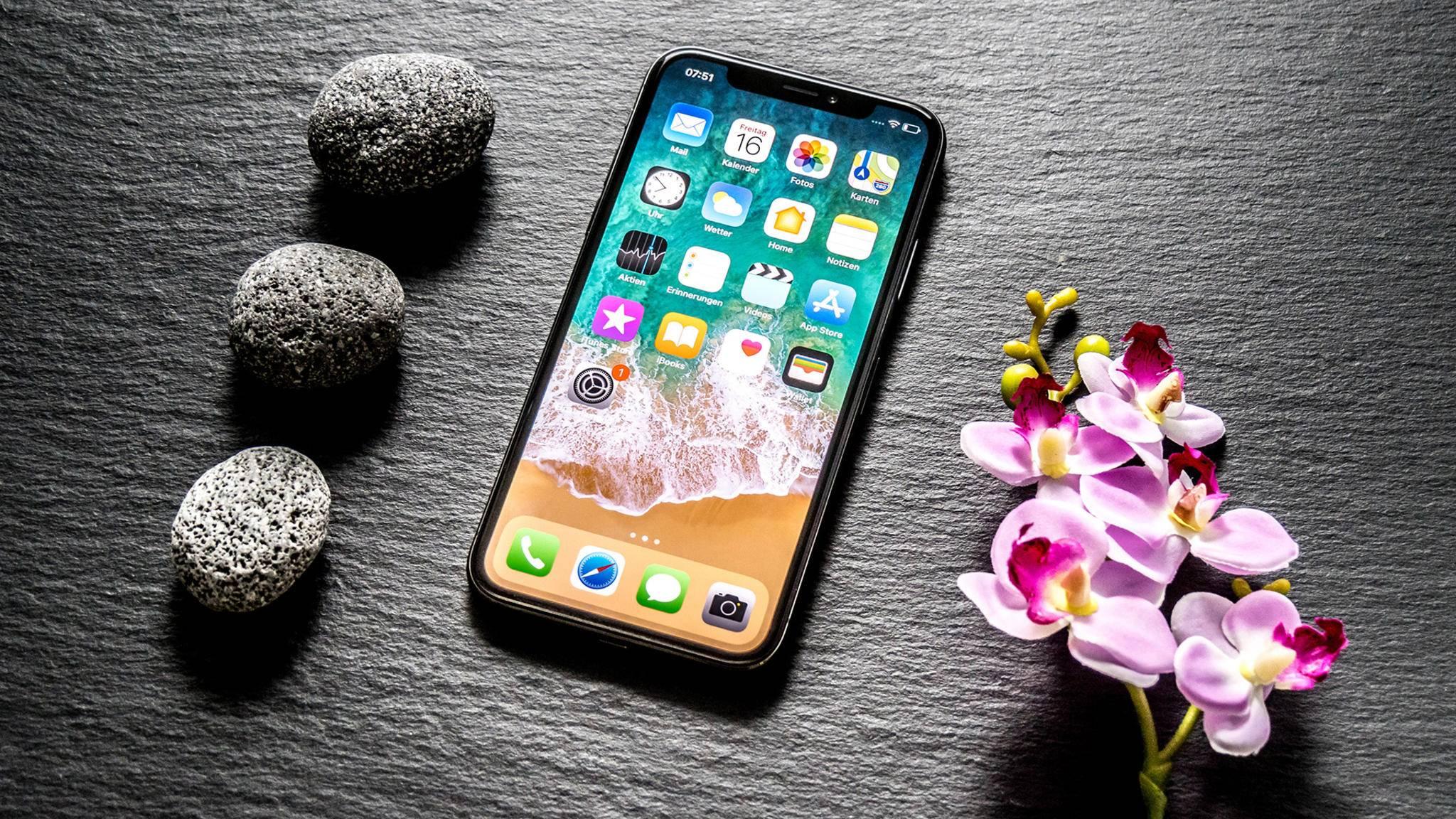 iPhones haben zwar keinen microSD-Slot, eine Speicherkarte lässt sich dennoch anschließen.